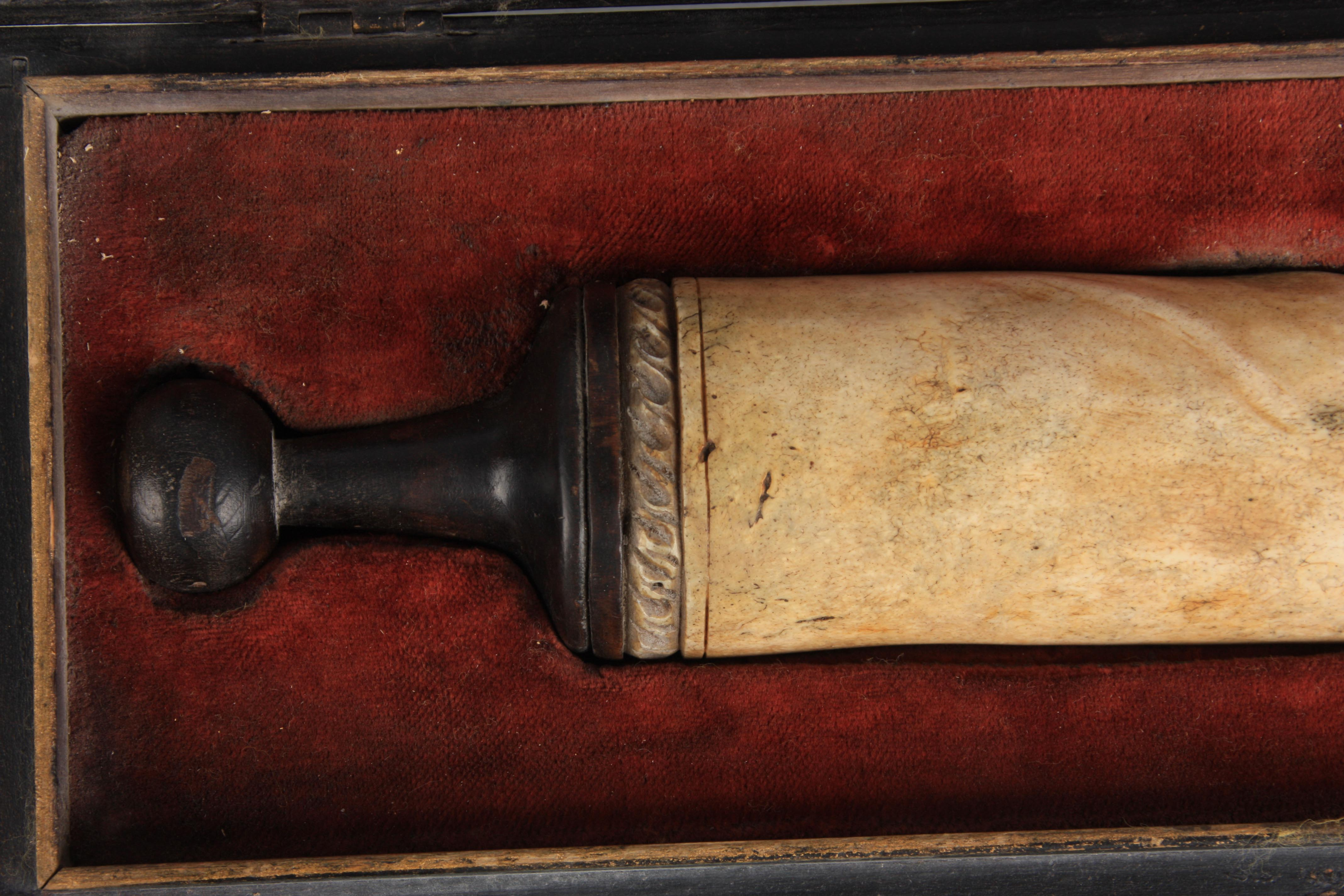 A RARE 19TH CENTURY CARVED BONE EROTIC SCULPTURE modelled as a phallus with turned wood handle to - Image 11 of 16