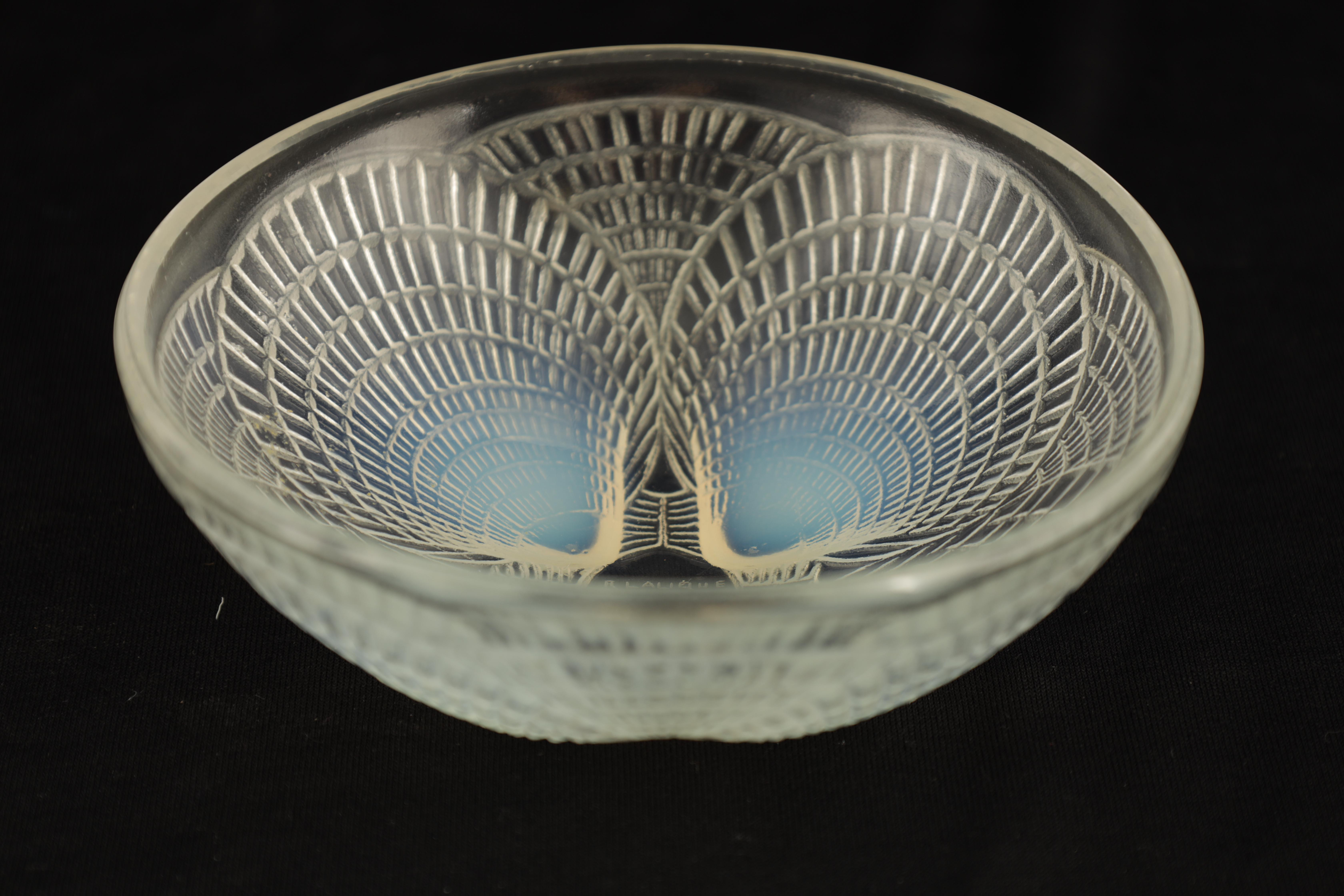 """AN R LALIQUE FRANCE """"COQUILLES"""" CLEAR AND OPALESCENT SHALLOW GLASS DISH 13cm diameter - wheel - Image 2 of 5"""