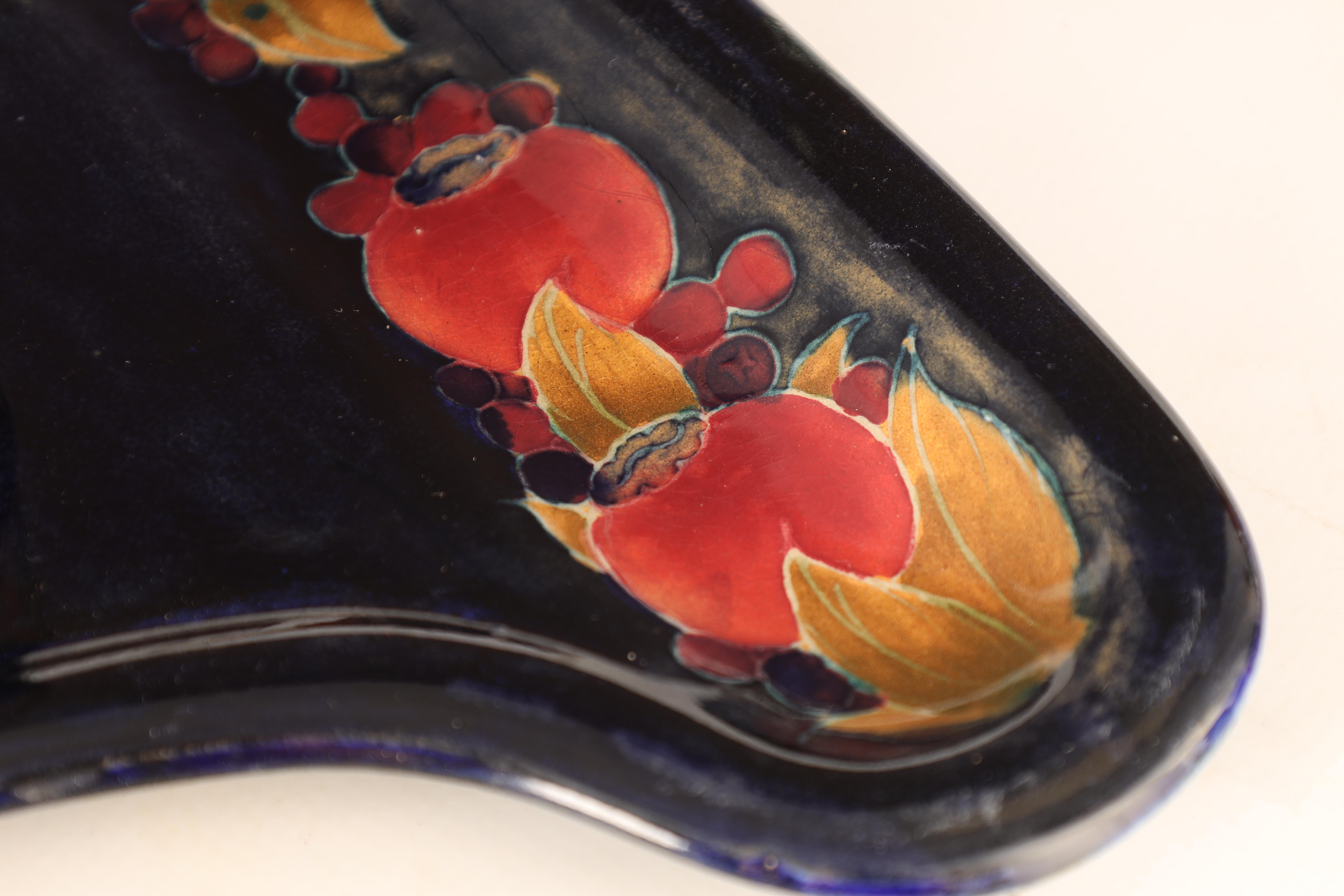 A MOORCROFT BURSLEM SHAPED COMBINED PEN TRAY AND INKSTAND with shaped base and square inkwell tube - Image 4 of 6