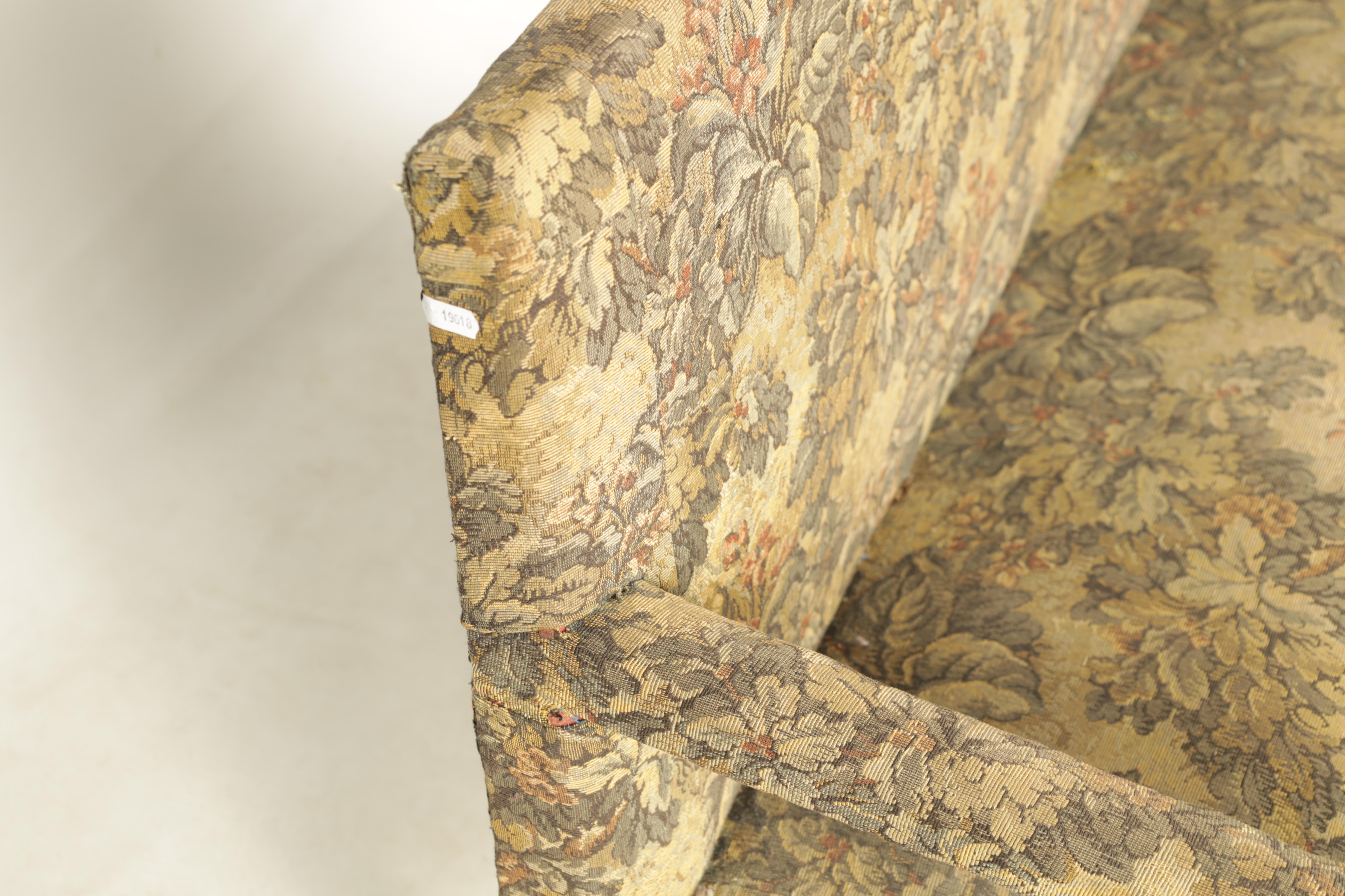 A SMALL LATE 17TH CENTURY TURNED WALNUT TWO SEATER SETTEE with tapestry upholstery, raised on a ring - Image 5 of 5