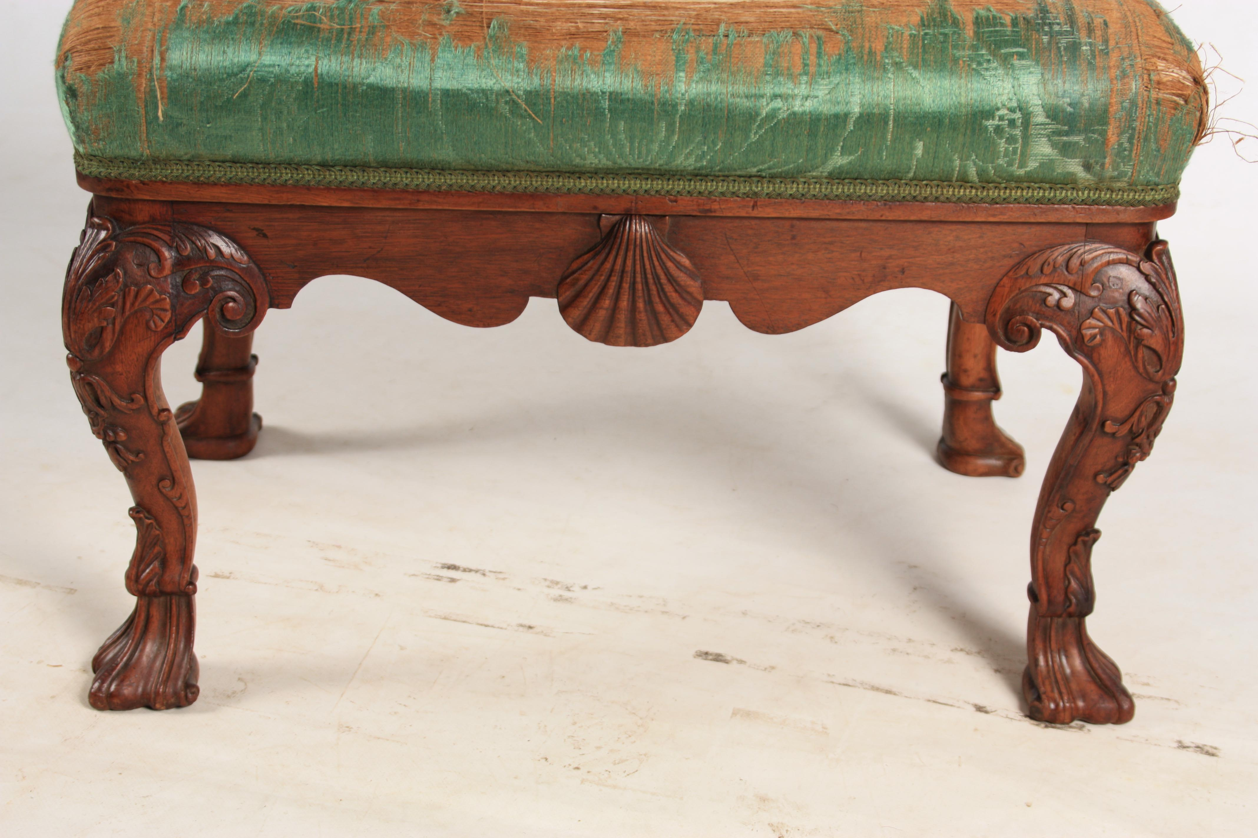 A MID 18TH CENTURY IRISH STYLE MAHOGANY DRESSING TABLE STOOL with upholstered top above shaped rails - Image 5 of 7