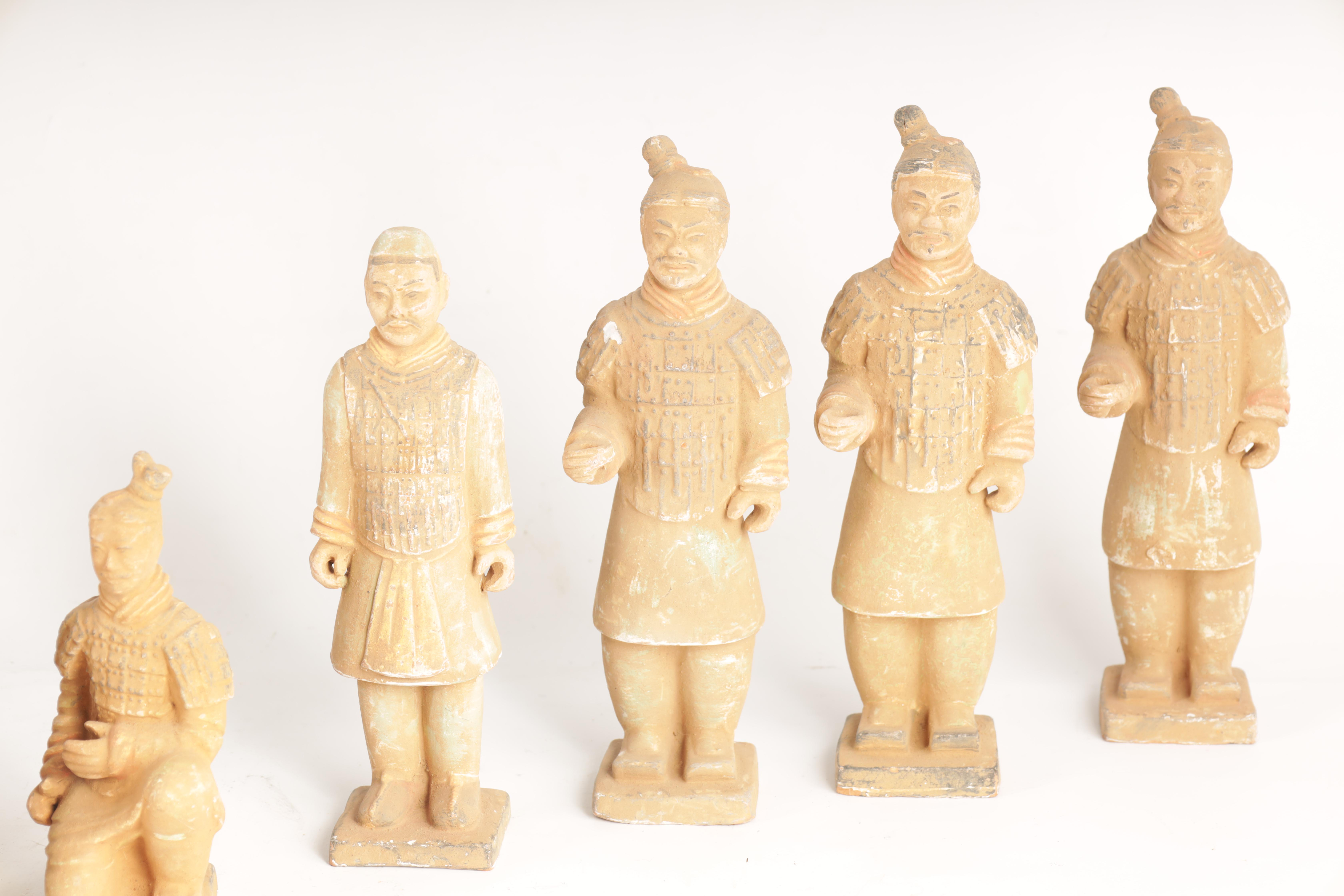 A SET OF 12 20TH CENTURY CHINESE FIGURES MODELLED AS THE TERRACOTTA ARMY depicting soldiers in - Image 4 of 7