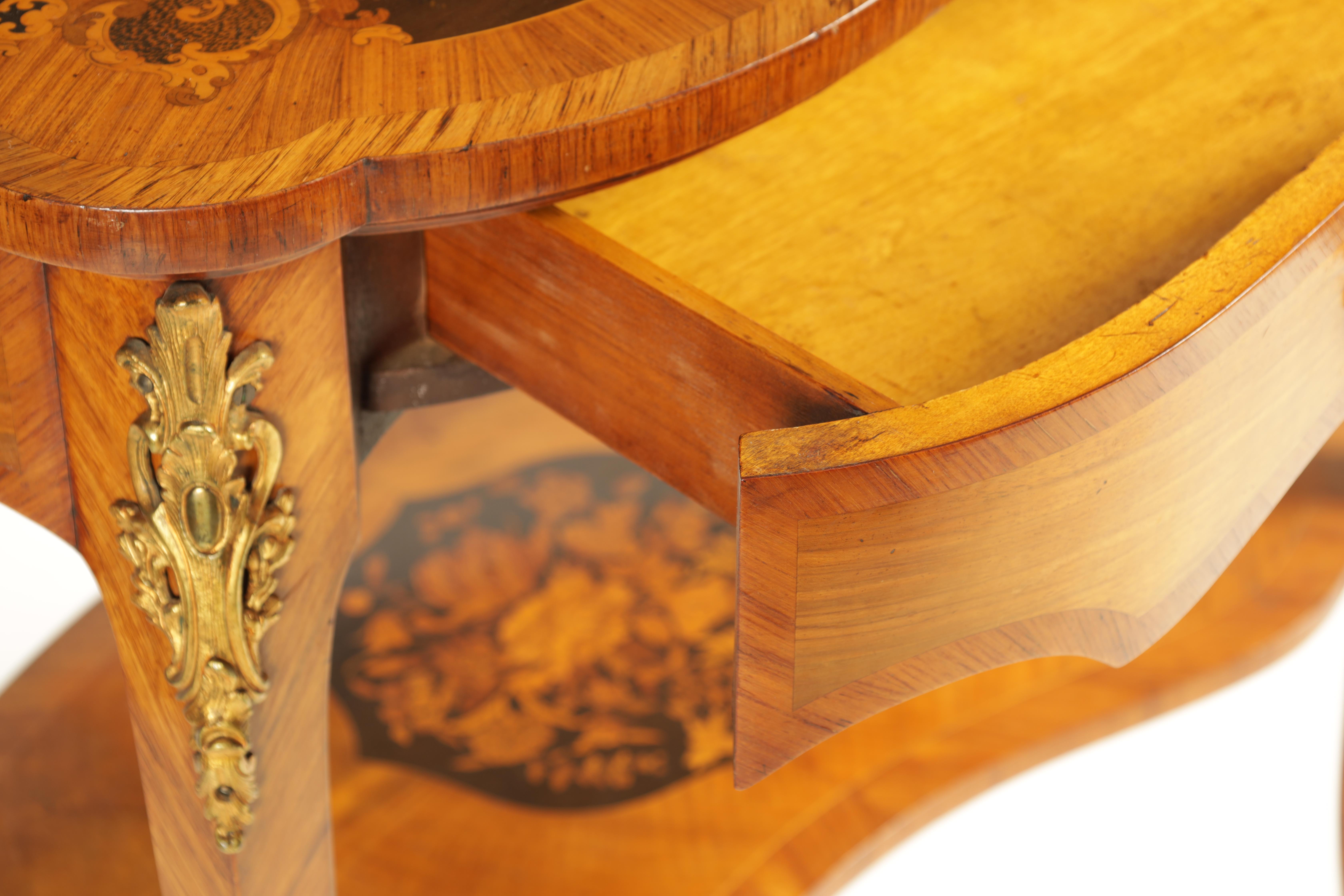 A FINE 19TH CENTURY MARQUETRY INLAID WALNUT KIDNEY SHAPED WRITING TABLE with raised brass - Image 5 of 10