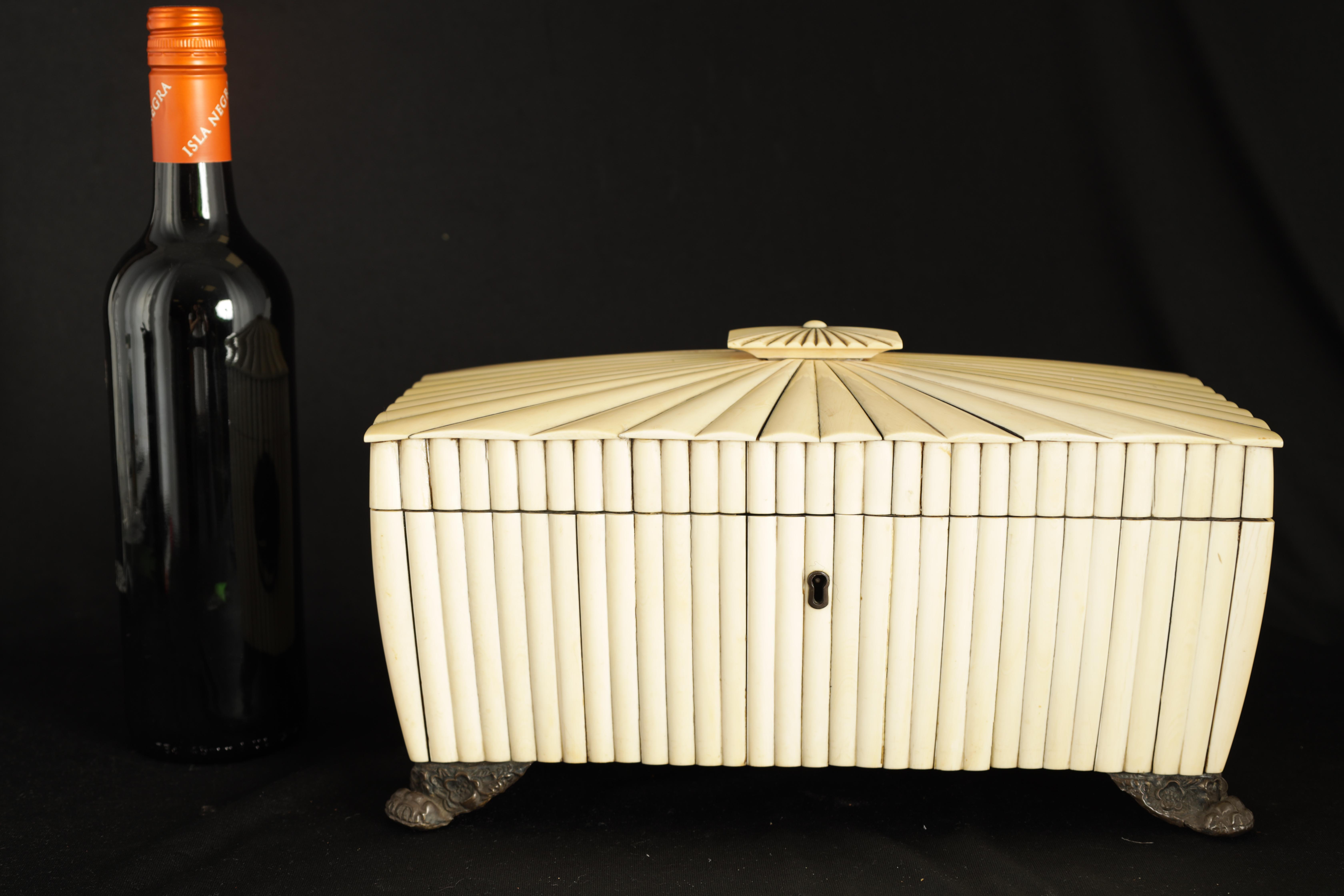 A REGENCY ANGLO-INDIAN IVORY AND SANDALWOOD VIZAGAPATAM TEA CADDY of sarcophagus form with gadroon - Image 11 of 12