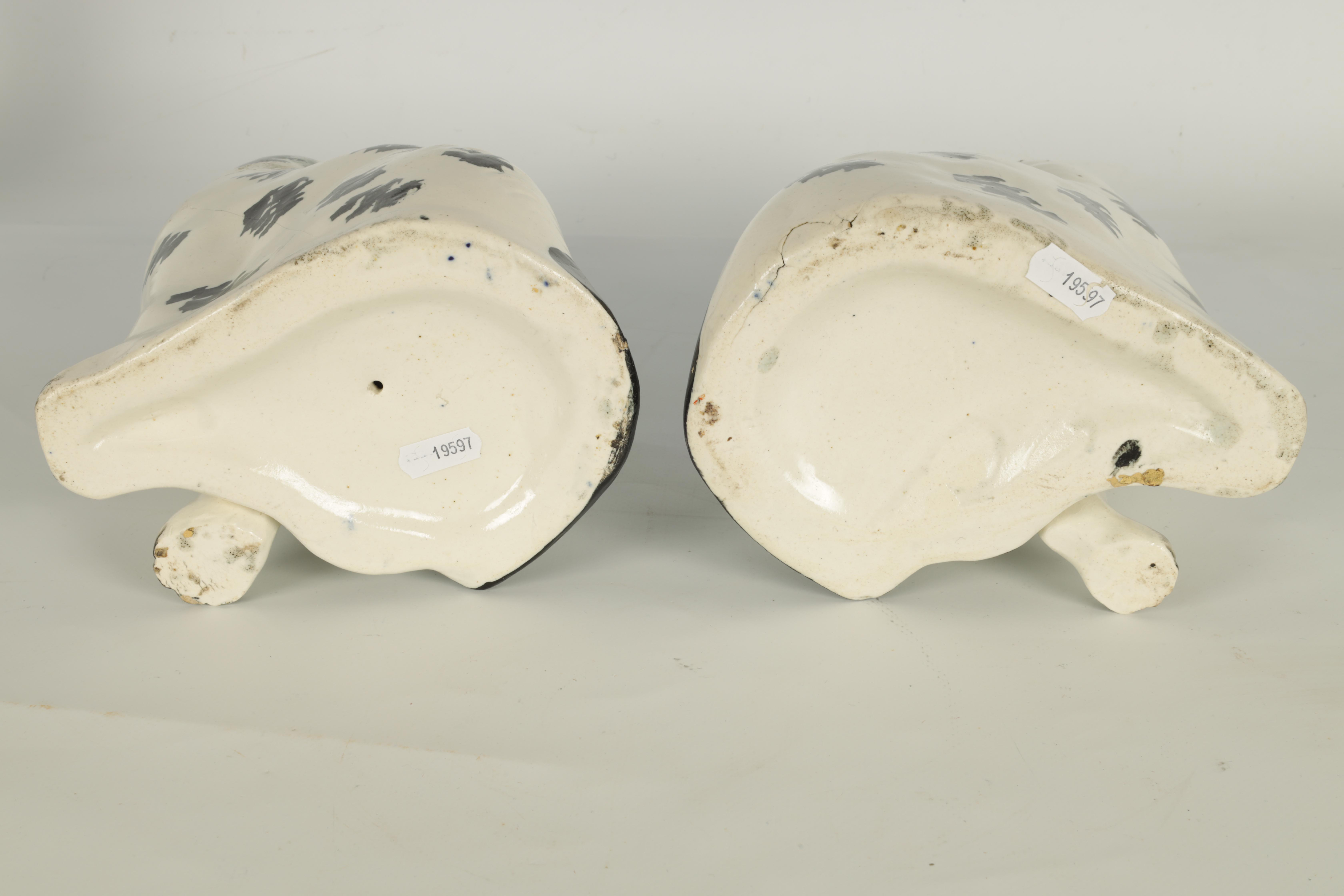 A PAIR OF 19TH CENTURY STAFFORDSHIRE 'DISRAELI CURL' SPANIELS 23cm high - Image 8 of 11