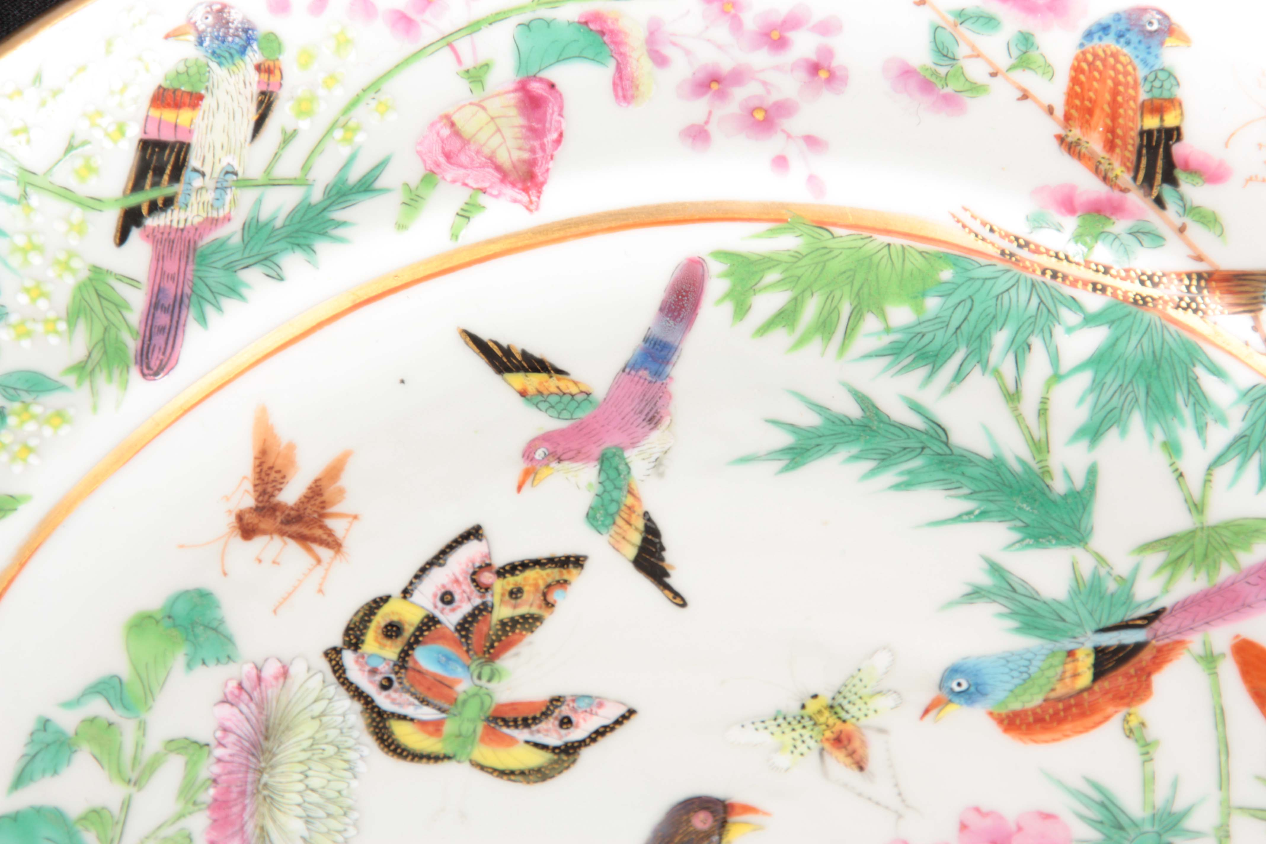 TWO FINE 19TH CENTURY CHINESE FAMILLE VERTE PORCELAIN PLATES decorated with brightly coloured - Image 4 of 5