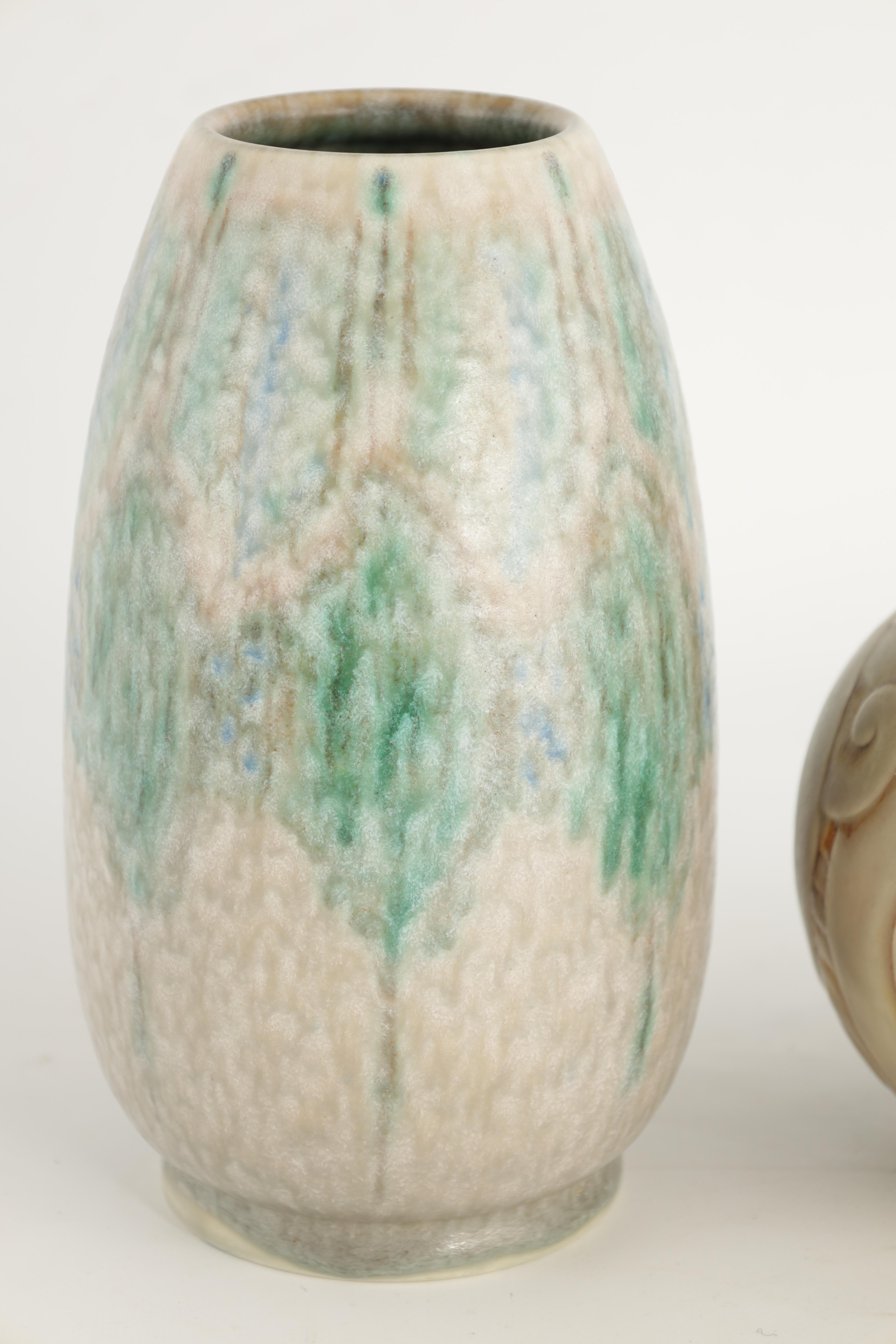 A ROYAL LANCASTRIAN TAPERED OVOID VASE with mottled blue and green leaf spray decoration on a - Image 3 of 8