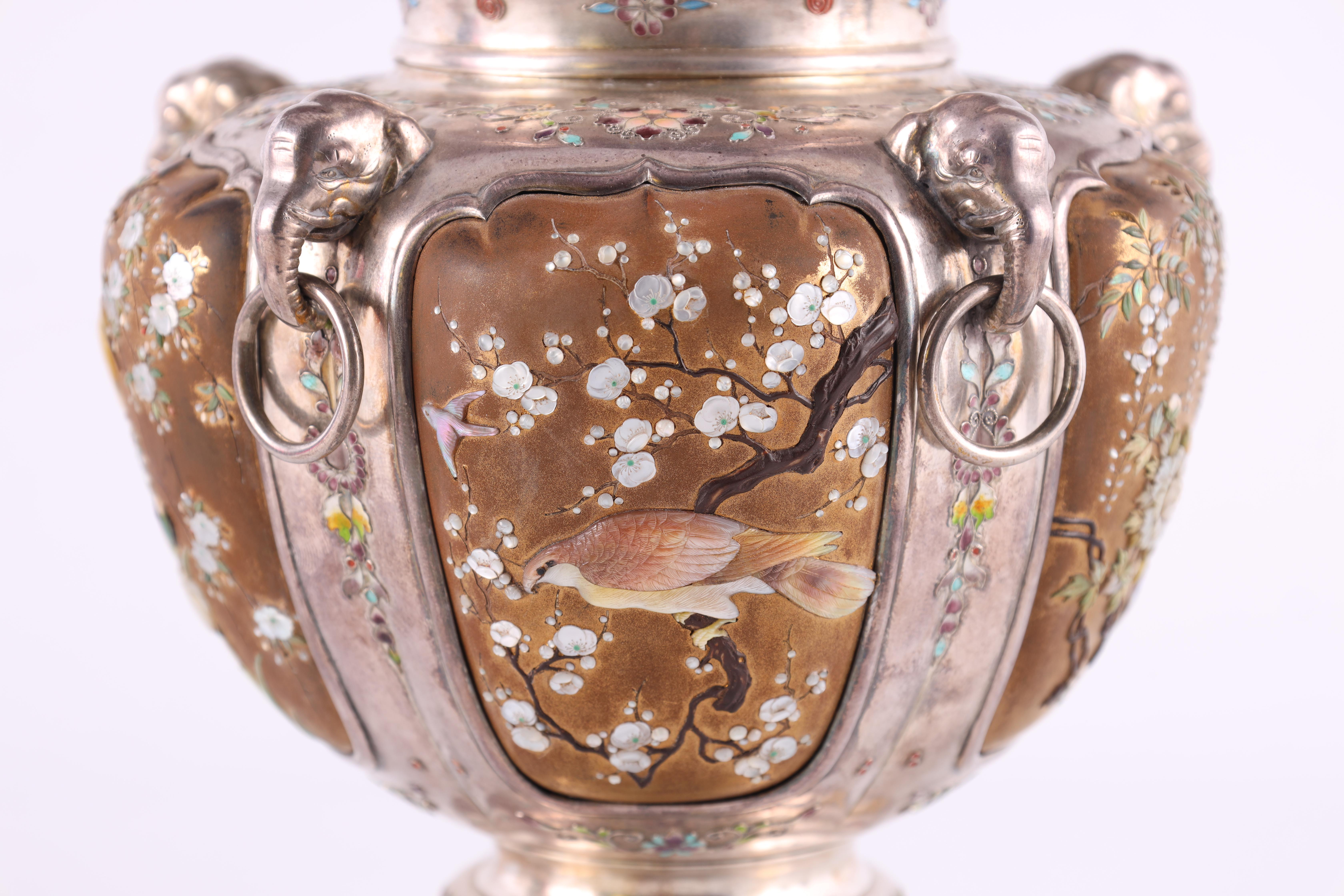 A JAPANESE MEIJI PERIOD SILVER & GOLD LACQUER SHIBAYAMA KORO covered in multicoloured enamels, the - Image 6 of 10