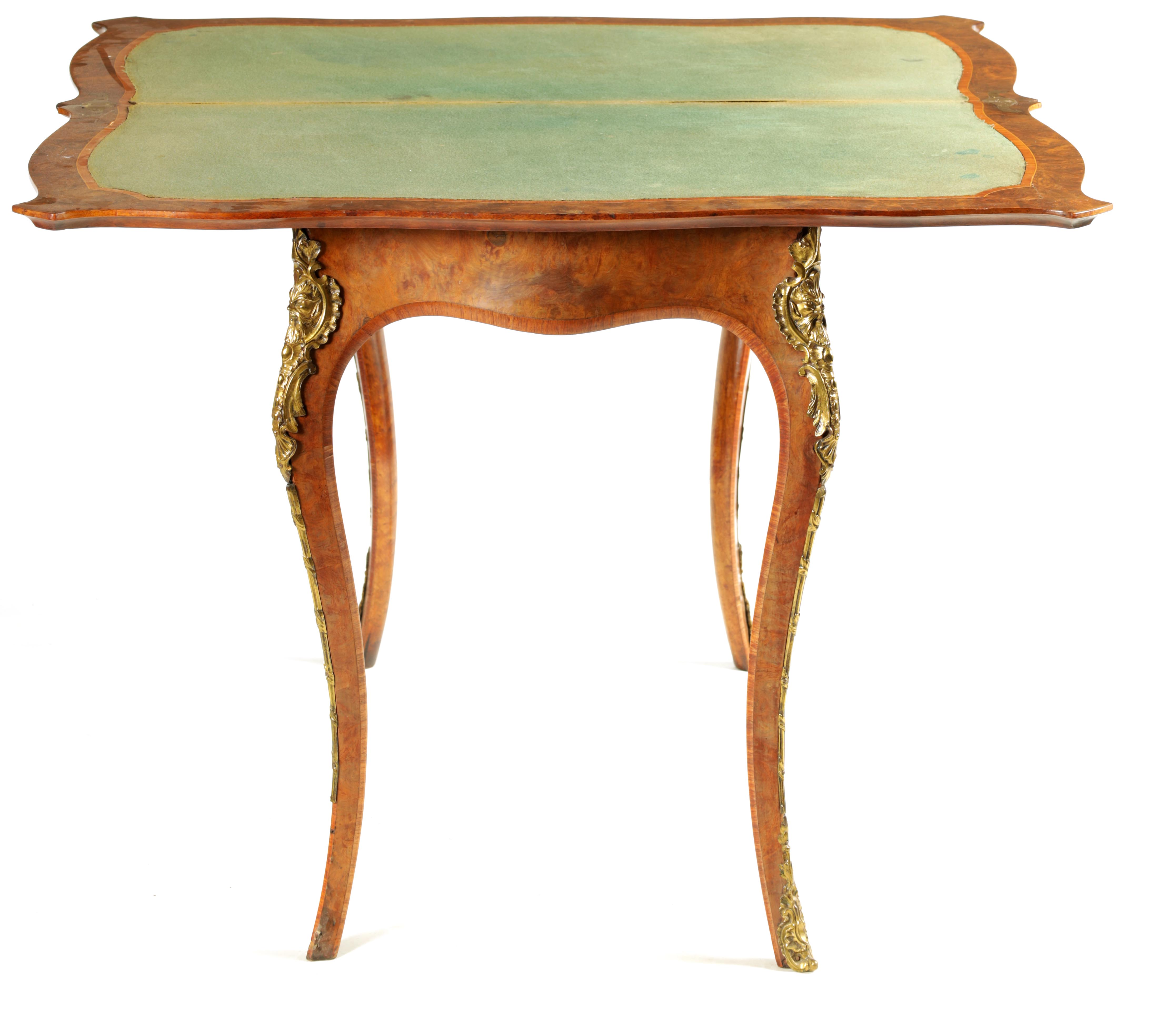 A 19TH CENTURY FRENCH KINGWOOD CROSS-BANDED BURR WALNUT SERPENTINE CARD TABLE with ormolu mounts and - Image 6 of 13