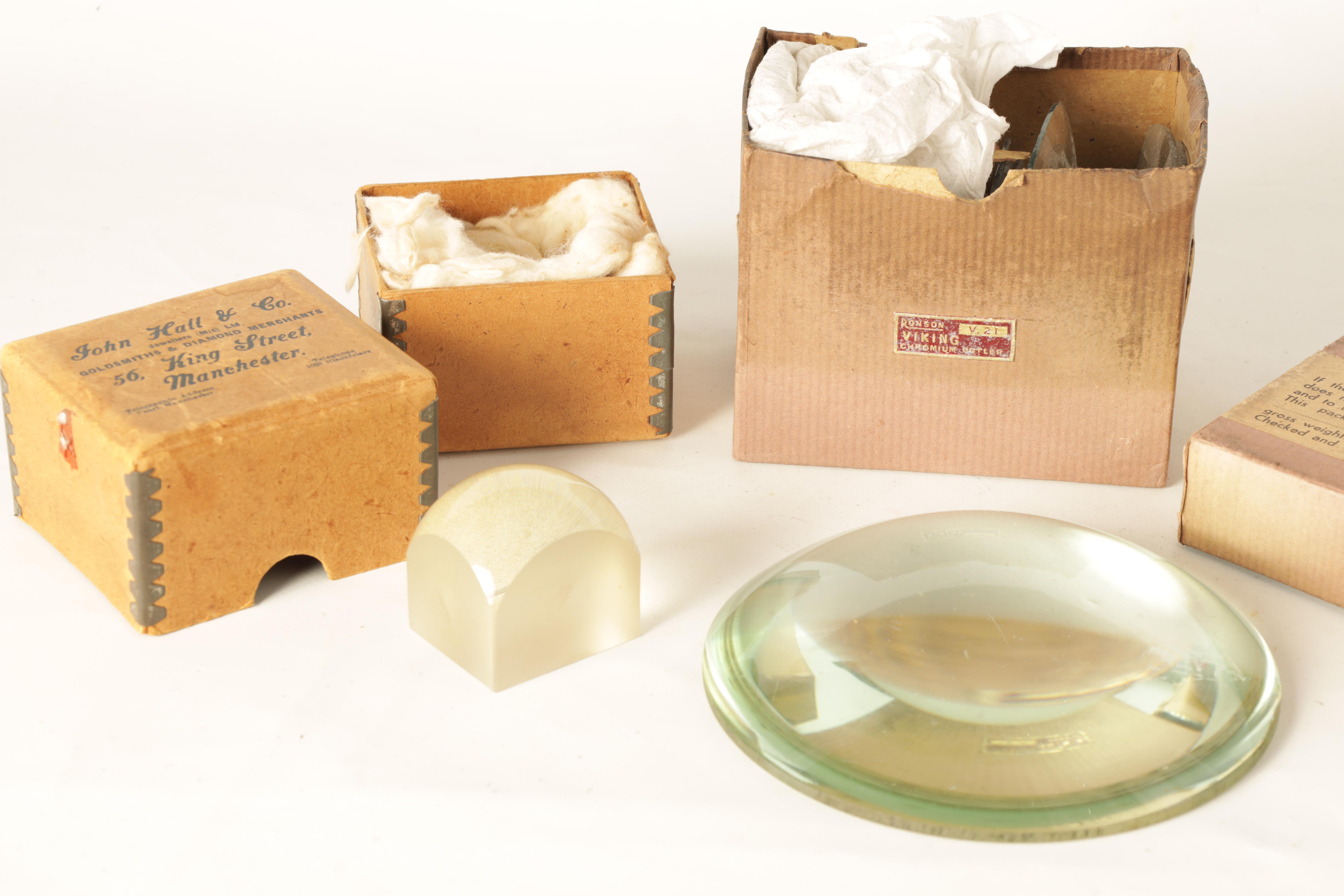 TWO MAGNIFYING LENSES including a large circular and square examples TOGETHER WITH A BOX OF CLOCK - Image 11 of 11