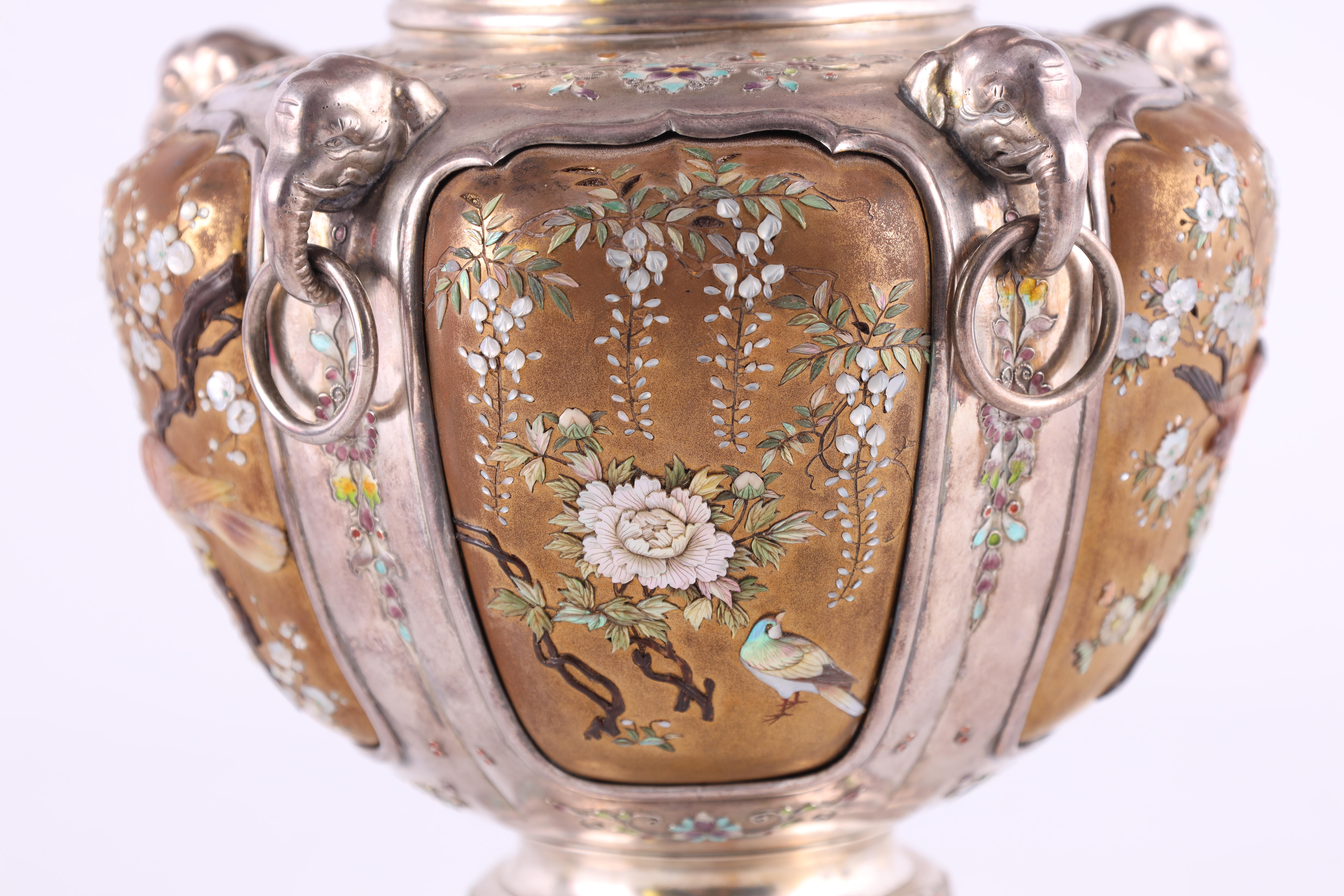 A JAPANESE MEIJI PERIOD SILVER & GOLD LACQUER SHIBAYAMA KORO covered in multicoloured enamels, the - Image 7 of 10