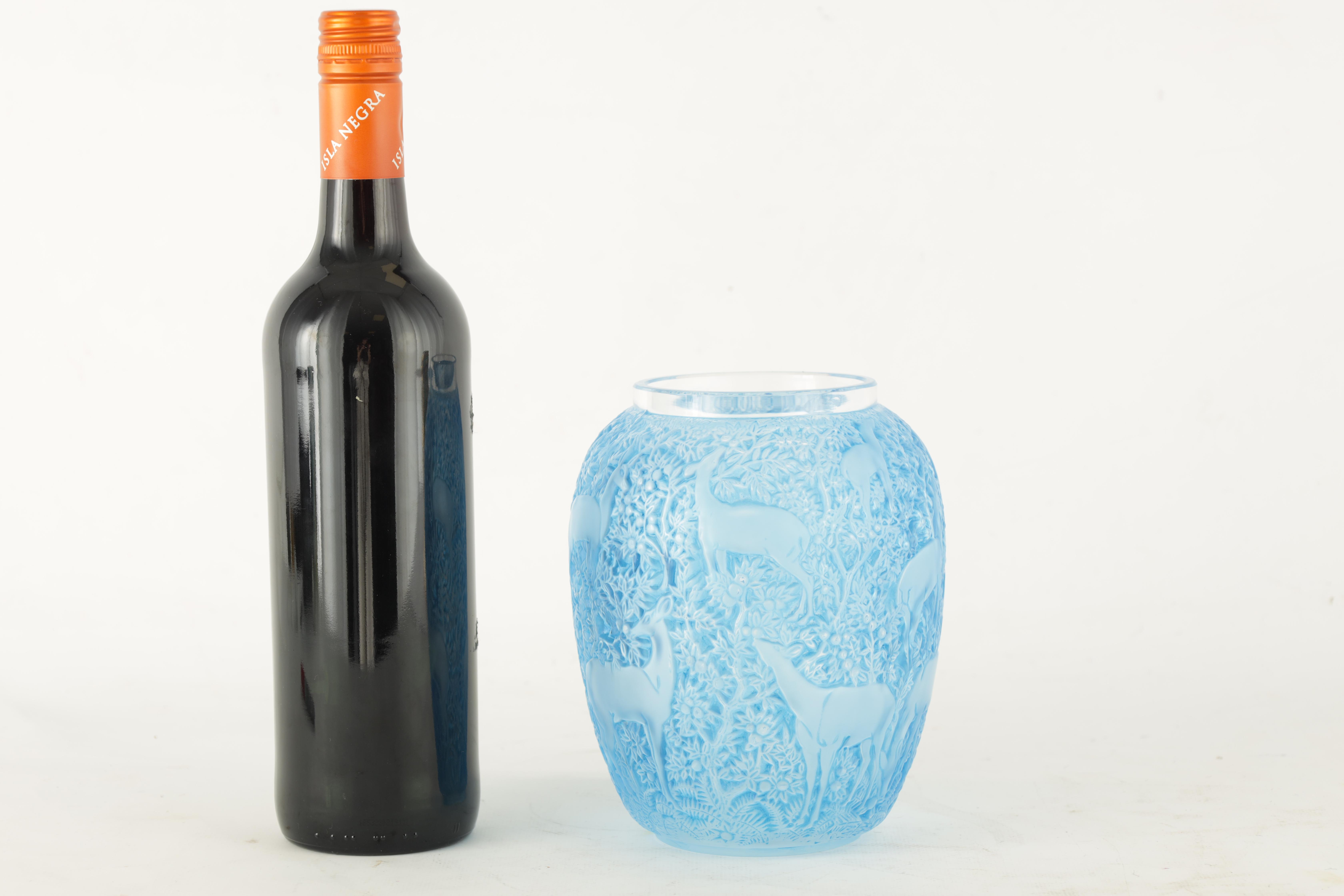 R LALIQUE, A BLUE STAINED 'BICHES' GLASS VASE of ovoid form with inward curved rim and collared neck - Image 2 of 7