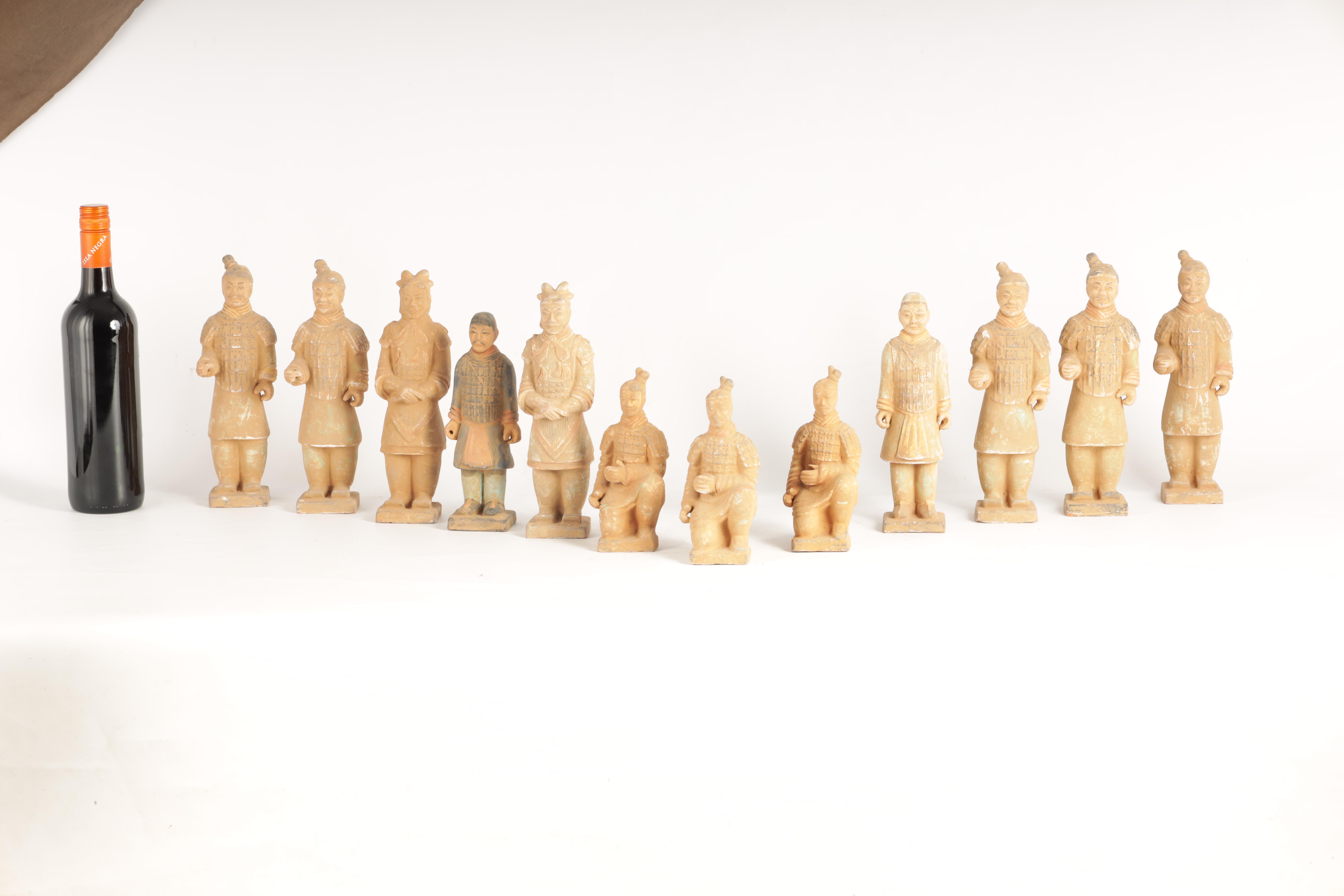 A SET OF 12 20TH CENTURY CHINESE FIGURES MODELLED AS THE TERRACOTTA ARMY depicting soldiers in - Image 7 of 7