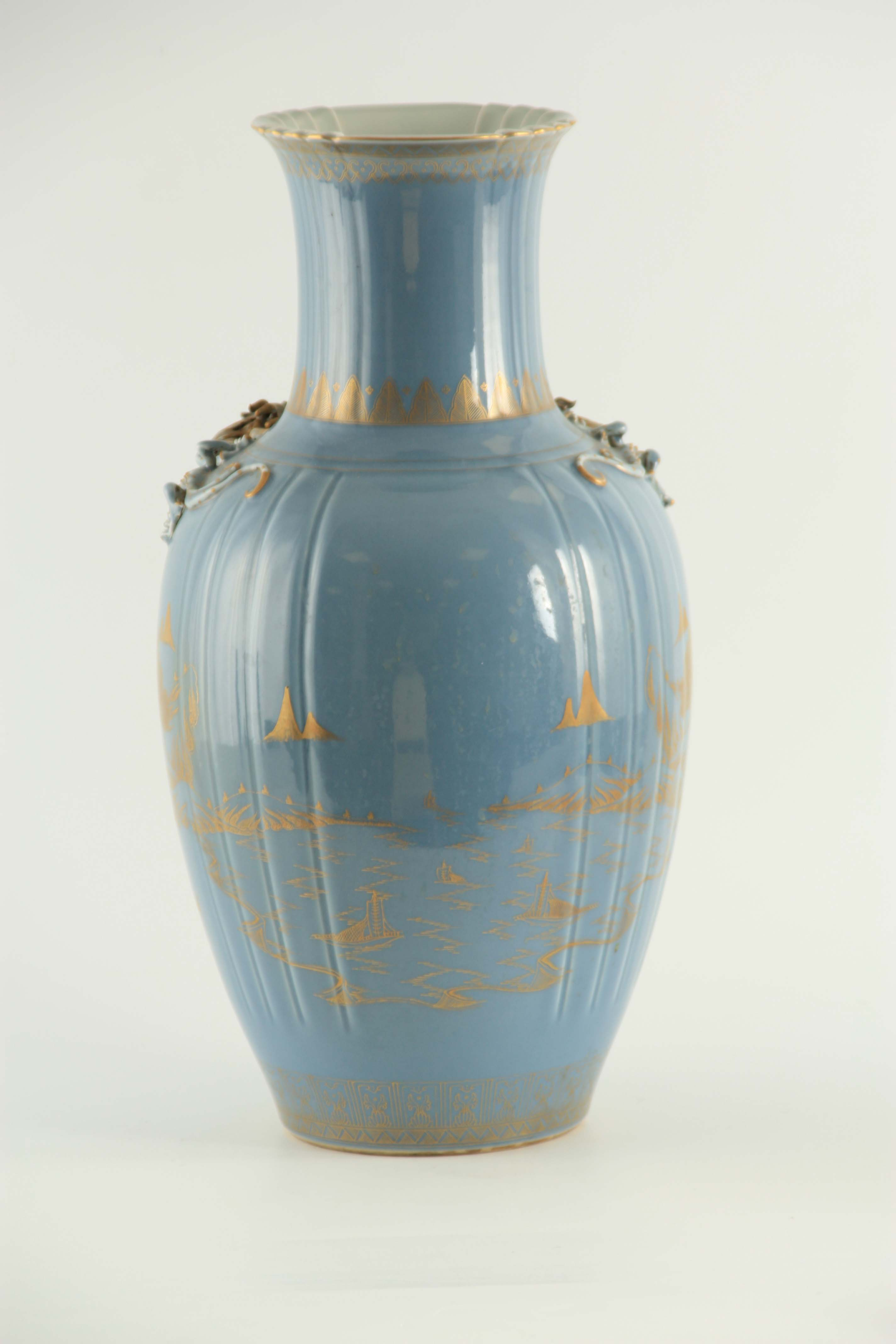 AN IMPRESSIVE 19TH CENTURY CHINESE BLUE AND GILT DECORATED VASE of ribbed shape with scrolled - Image 6 of 7
