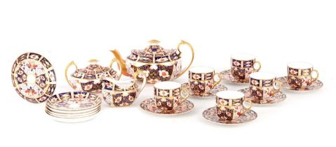 A LATE 19TH CENTURY IMARI PATTERN ROYAL CROWN DERBY TEA SET