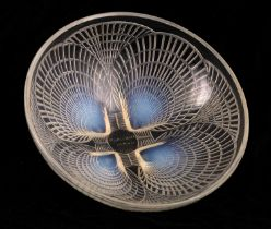 A RENE LALIQUE OPALESCENT GLASS COQUILLES PATTERN BOWL