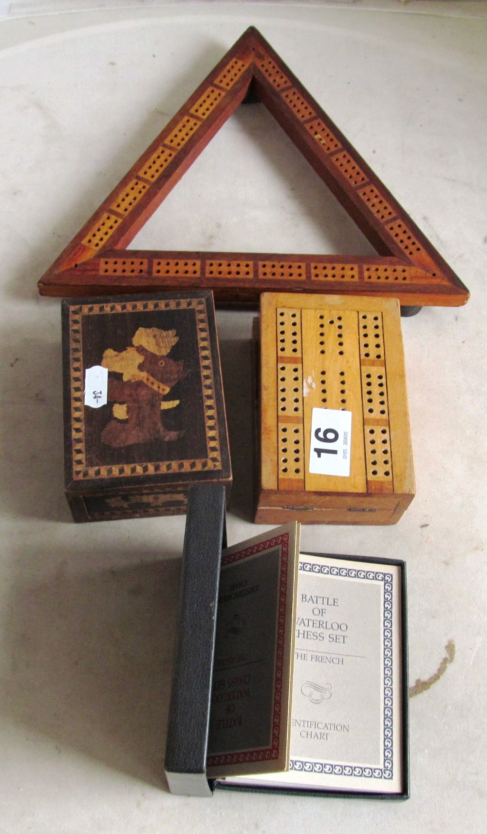 Two cribbage boards et cetera