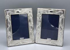A Pair of London Silver Photograph Frames of Art Nouveau Form, 19 x 14 cms