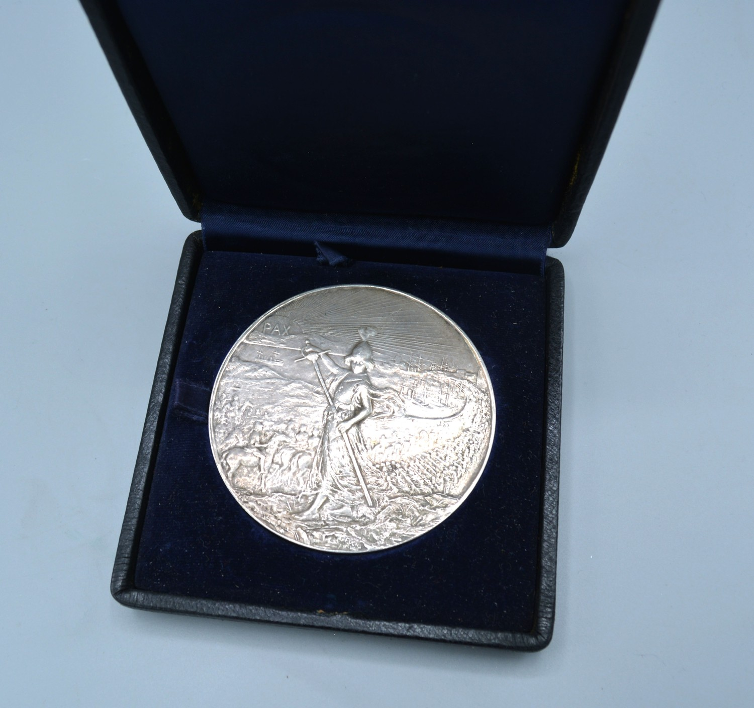 An Elkington silver commemorative medallion for the South African campaign 1899 to 1902, signed Emil - Image 2 of 2
