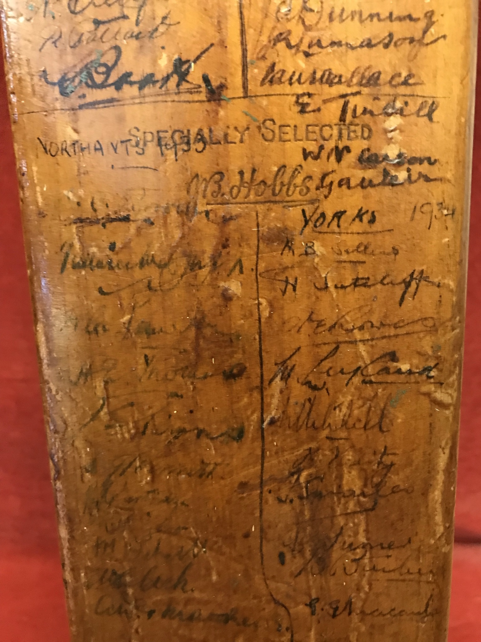 A Hobbs No 6 Cricket Bat autographed with 1934 Australia including Bradman, Chipperfield, O' - Image 5 of 7