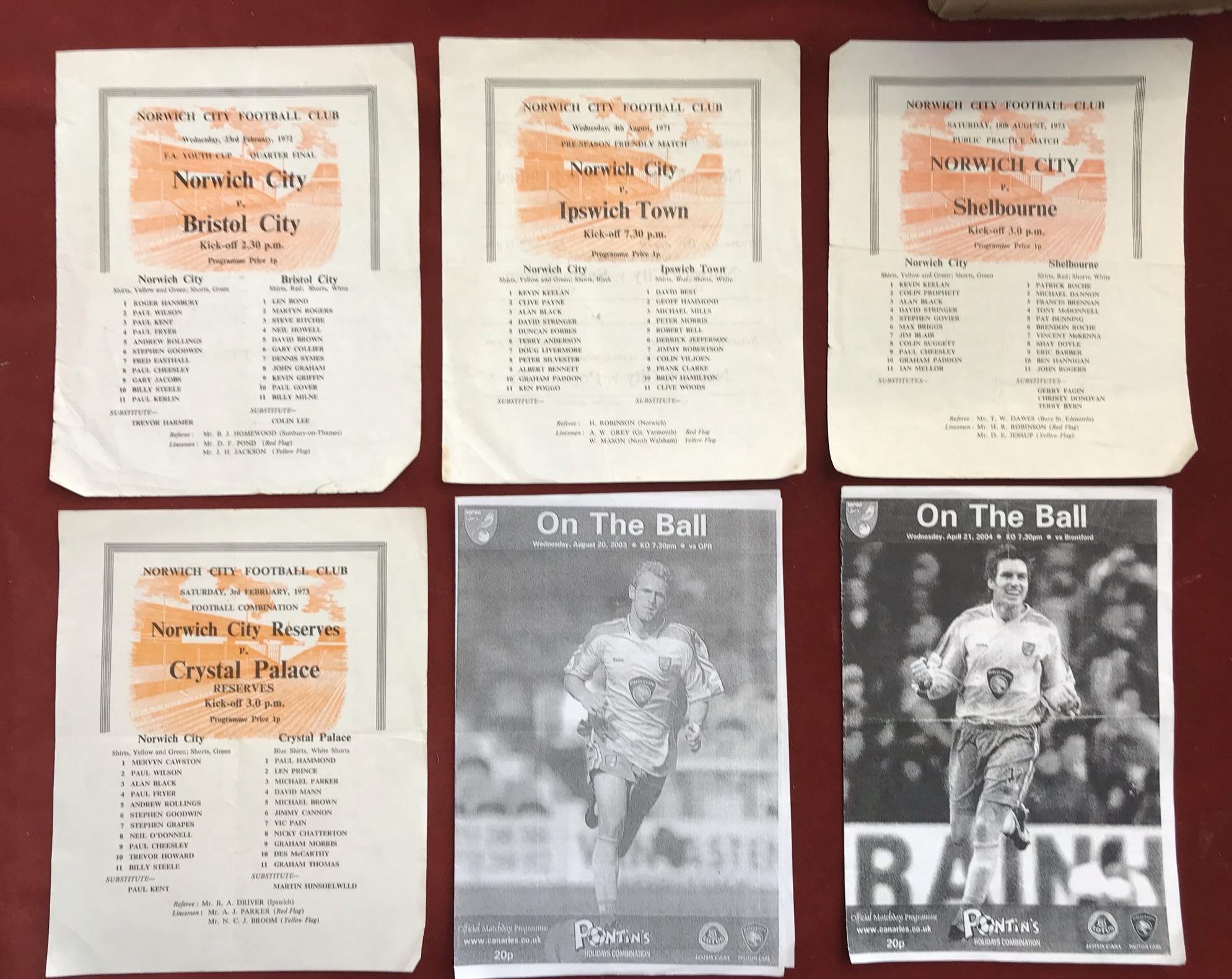 Norwich City Reserves 1971-73 - Chelsea Reserves 9 Dec 1972. Chelsea Reserves v Arsenal Reserves - Image 3 of 4