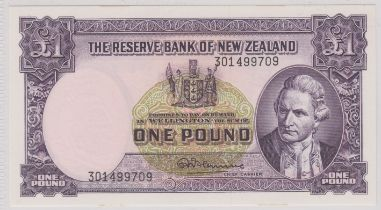 New Zealand 1956-67 (ND) One Pound Purple Captain Cook at right, Fleming P159c AUNC
