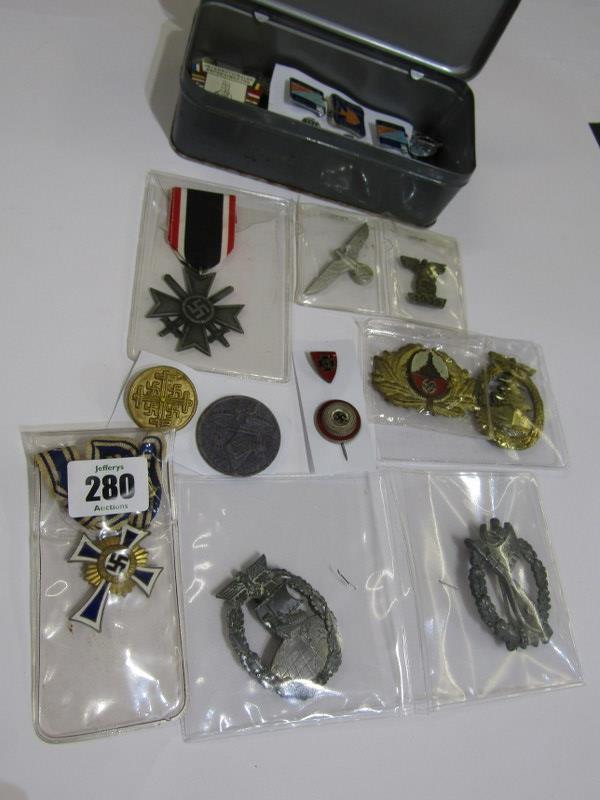 GERMAN MEDALS & CAP BADGES, a bronze & enamel Mothers Cross, assorted cap badges & other insignia,