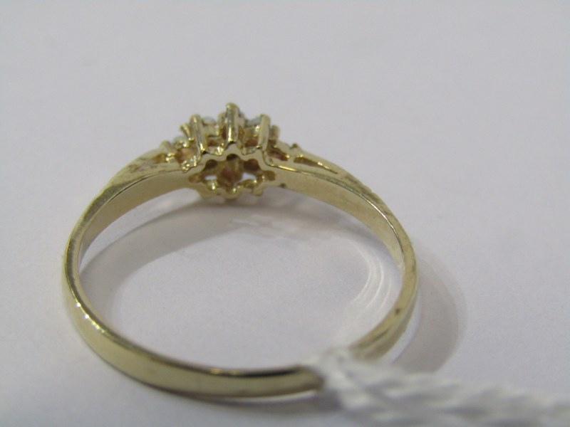 9CT YELLOW GOLD OPAL CLUSTER RING, size N - Image 3 of 3