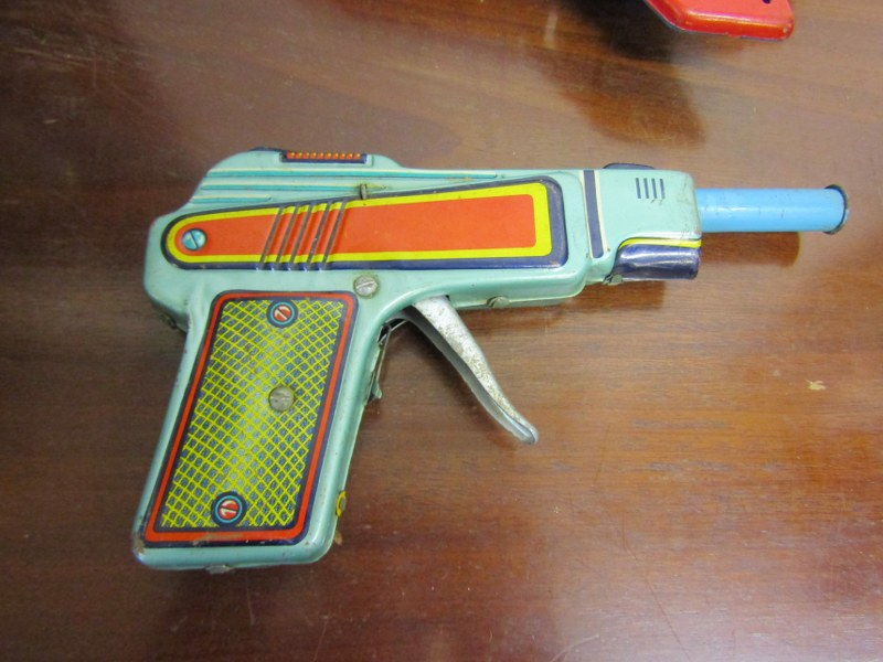 """EARLY TOYS, Universal stunt car, 11"""" length, also vintage toy pistol - Image 3 of 3"""