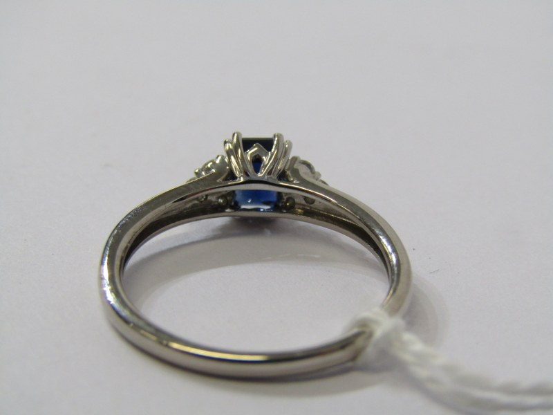 18ct WHITE GOLD, SAPPHIRE & DIAMOND RING, principal rectangular cut dark royal blue sapphire with - Image 3 of 3