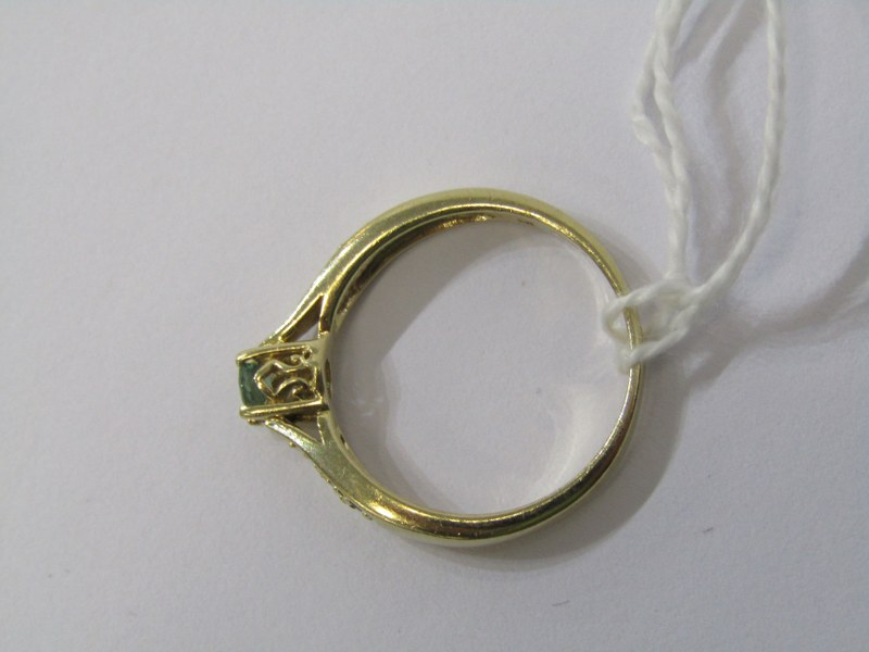 9CT YELLOW GOLD EMERALD SOLITAIRE RING, principal brilliant cut emerald in 4 claw setting with - Image 3 of 4