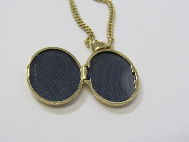 9ct YELLOW GOLD LOCKET on 9ct yellow gold curb link necklace, combined weight of approx 8.4 grams - Image 4 of 4