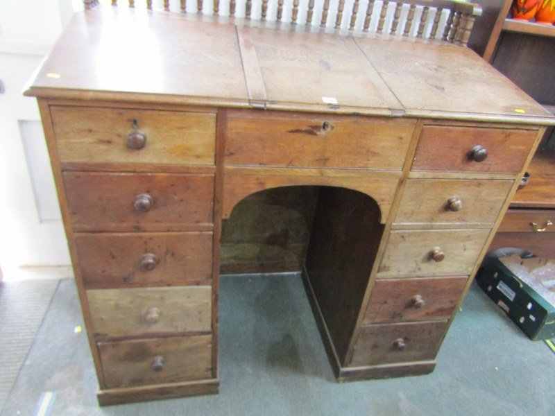 VICTORIAN KNEEHOLE OAK CLERK'S DESK, with twin pedestal of 10 drawers with original knop handles and