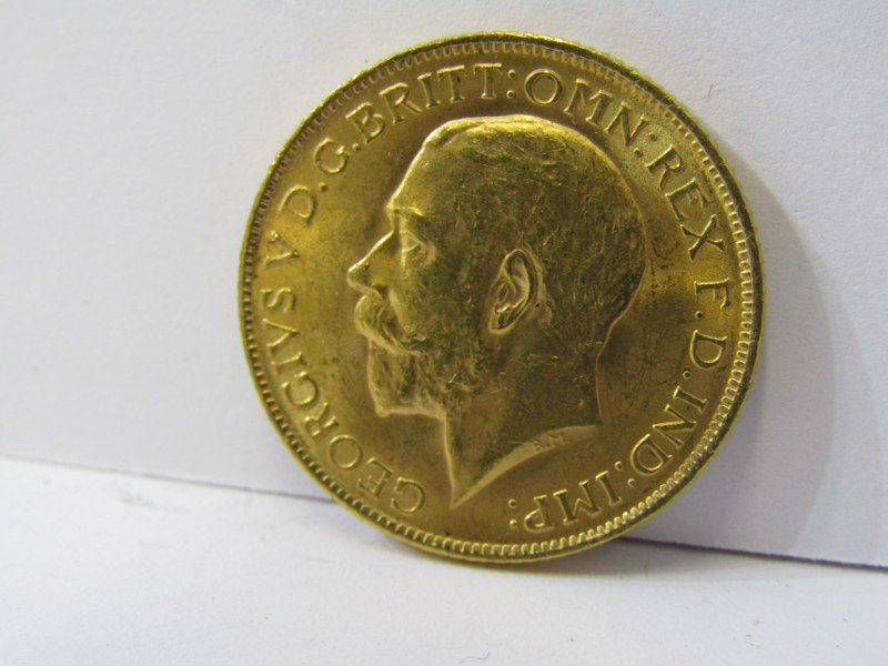 GOLD SOVEREIGN, 1914 George V high grade