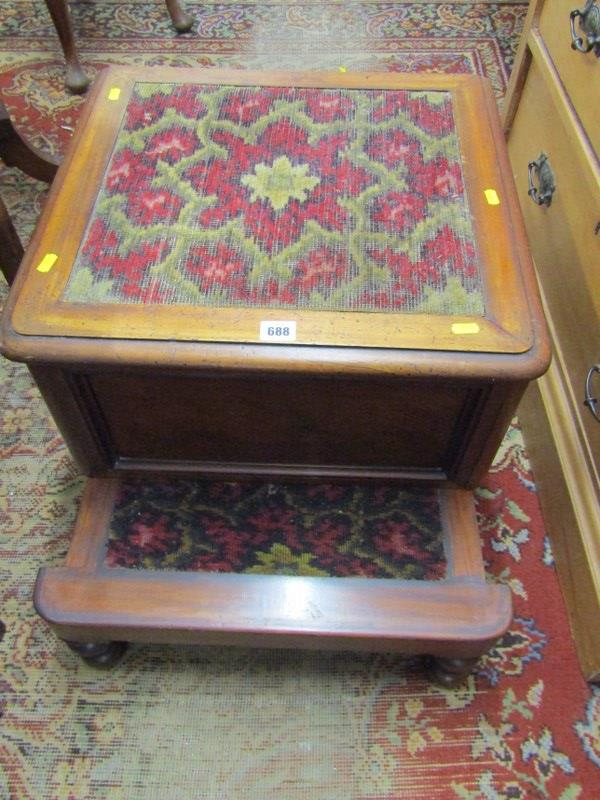 "VICTORIAN MAHOGANY BOX COMMODE, inset carpet top, 20"" width - Image 2 of 3"