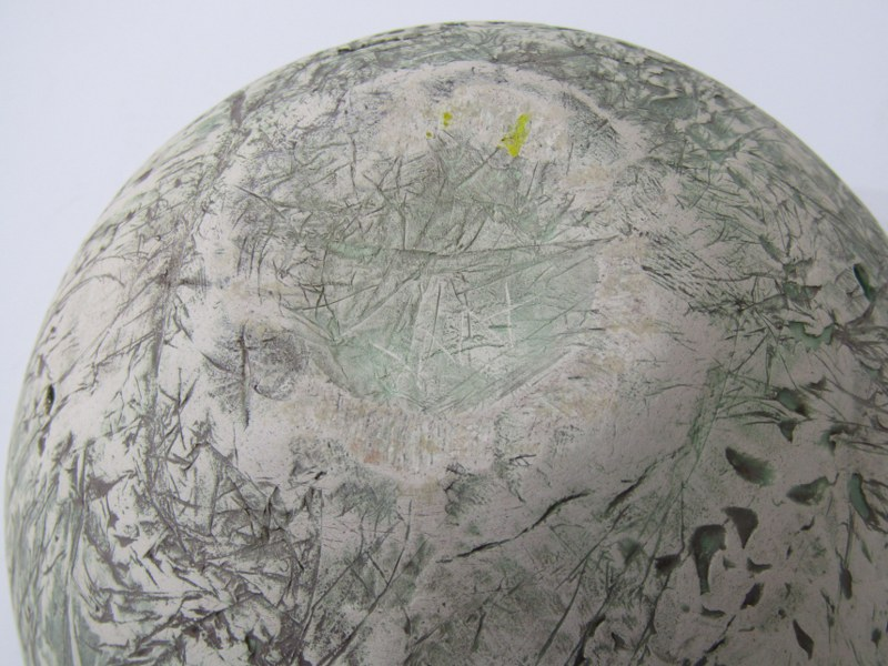 "STUDIO POTTERY, Alison Morsby sculptured pottery fruit bowl, 8"" dia - Image 3 of 3"