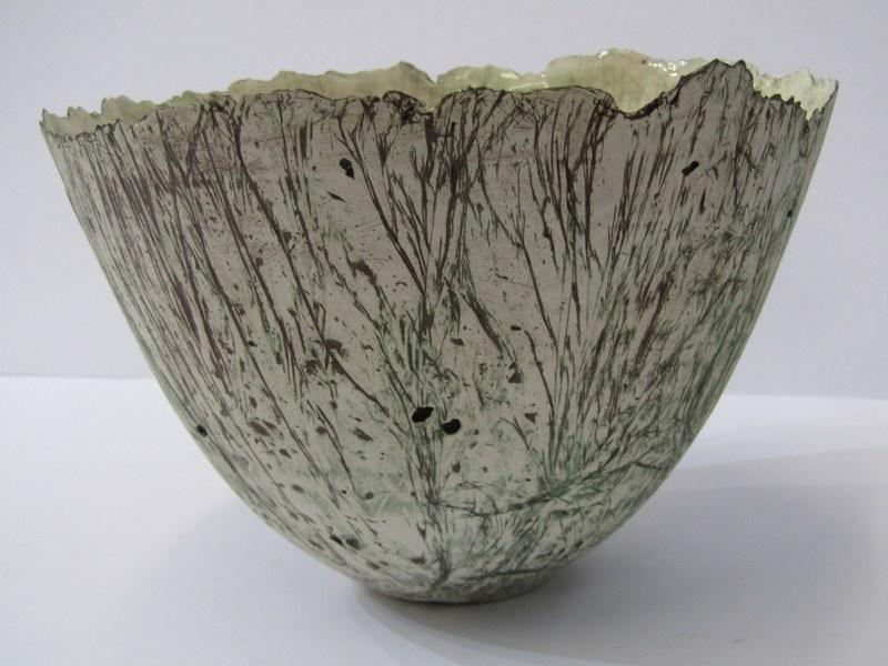 "STUDIO POTTERY, Alison Morsby sculptured pottery fruit bowl, 8"" dia - Image 2 of 3"