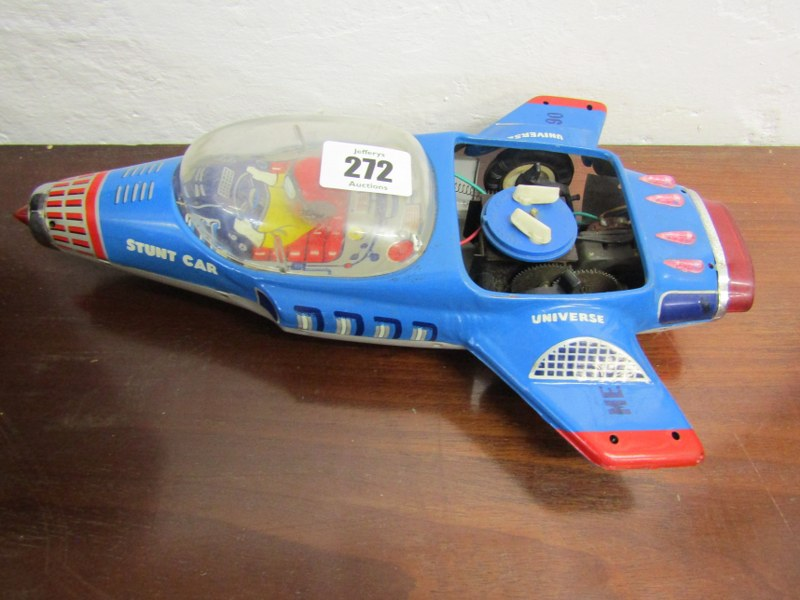 """EARLY TOYS, Universal stunt car, 11"""" length, also vintage toy pistol - Image 2 of 3"""