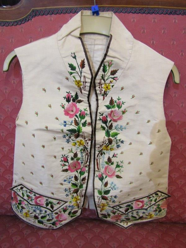 ANTIQUE WAISTCOAT, a late 18th/early 19th Century finely embroidered waistcoat, the floral & foliate