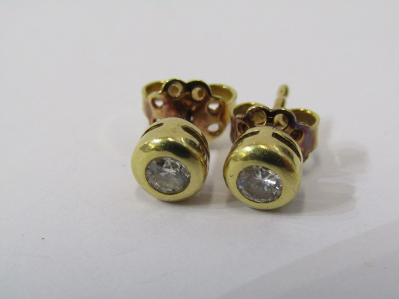 PAIR OF 18CT YELLOW GOLD DIAMOND STUD EARRINGS, total diamond weight approximately 0.30ct, bright