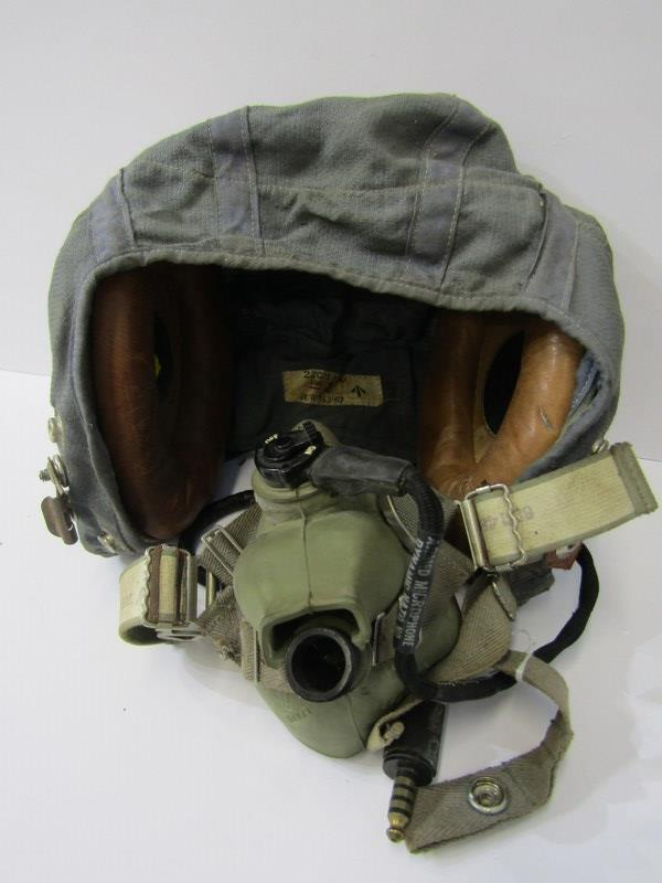 MILITARY, Air pilots flying helmet with stiched in label '22C/1730. size 2 KX/R/763/67'