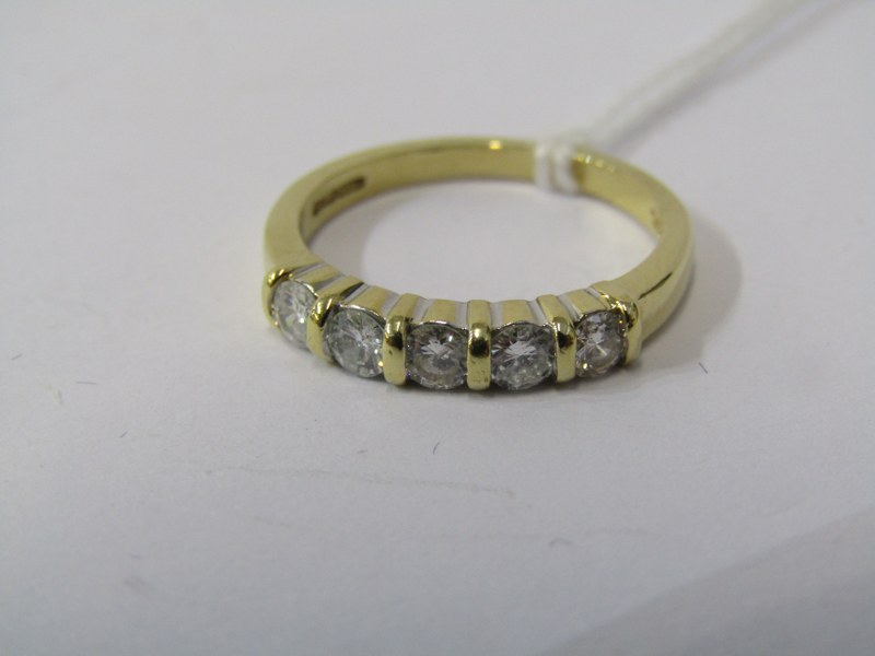 18CT YELLOW GOLD 5 STONE DIAMOND ETERNITY STYLE RING, bright well matched brilliant cut cushion