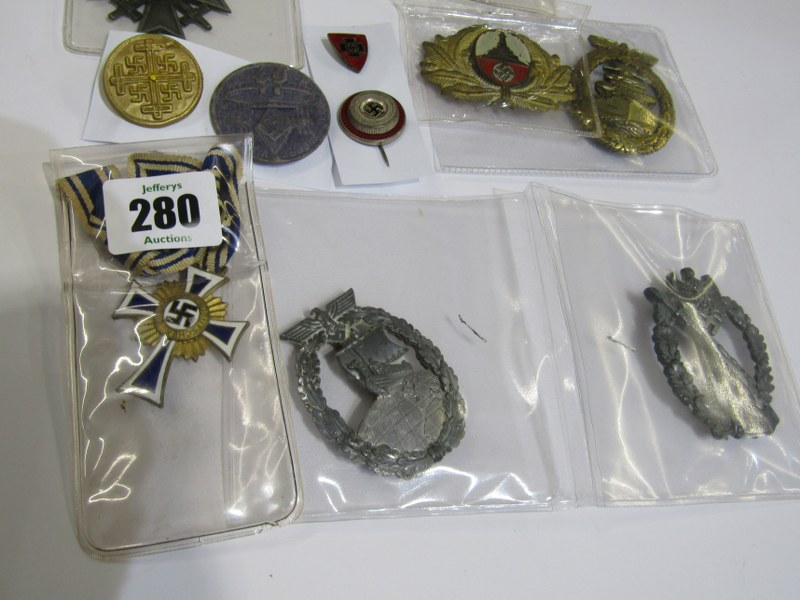 GERMAN MEDALS & CAP BADGES, a bronze & enamel Mothers Cross, assorted cap badges & other insignia, - Image 4 of 4