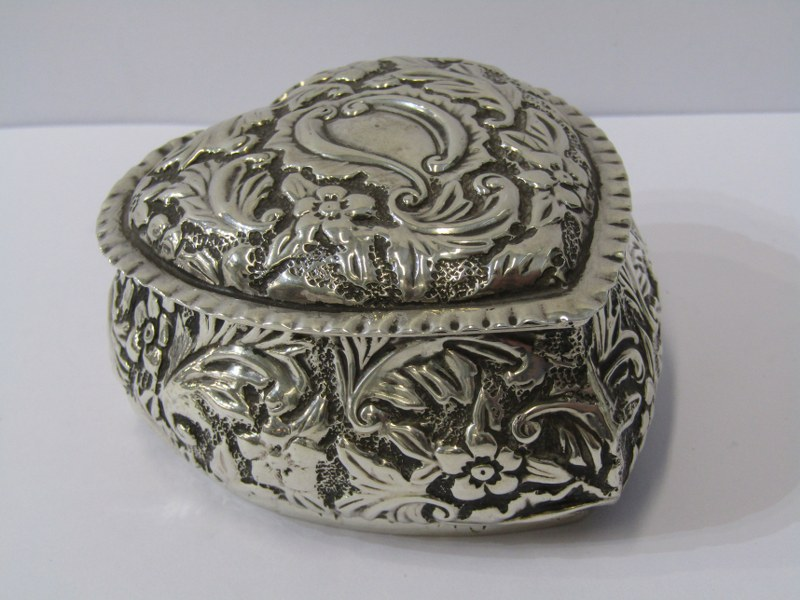"""A SILVER HEART SHAPED BOX, with foliate engraved decoration, Birmingham 1876, 3"""" (8cms) length, 78"""