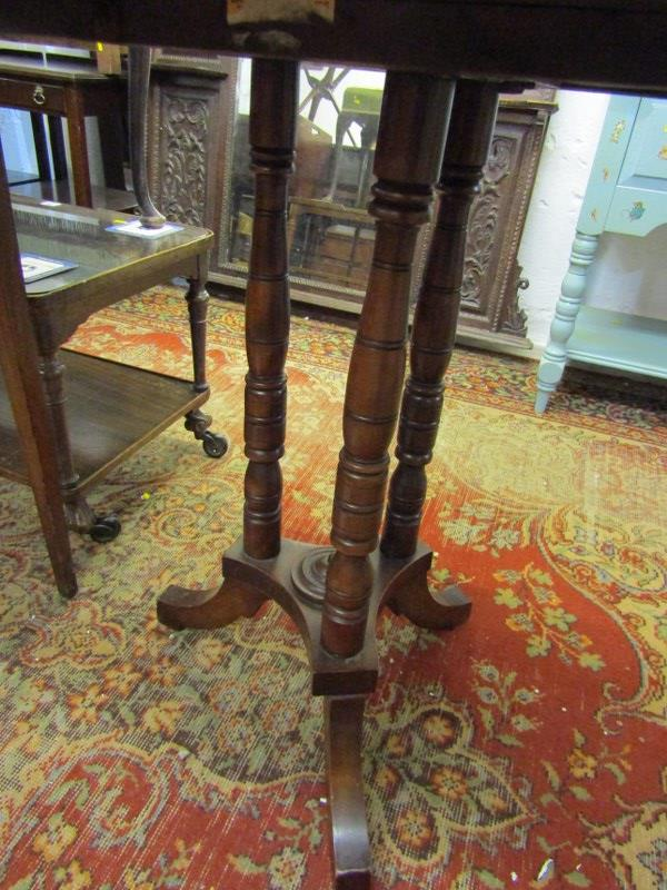 "EDWARDIAN MAHOGANY OCTAGONAL OCCASIONAL TABLE, triple column support base, 27"" width - Image 2 of 2"