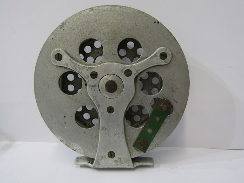 """ANGLING, Hardy 'Perfect' fly reel, also aluminium 5.25 centre pin fishing reel and 2"""" brass winch - Image 4 of 5"""