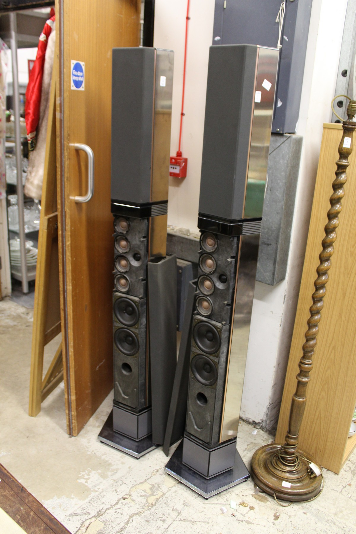 A pair of Bang & Olufsen tall column shaped speakers. - Image 2 of 5