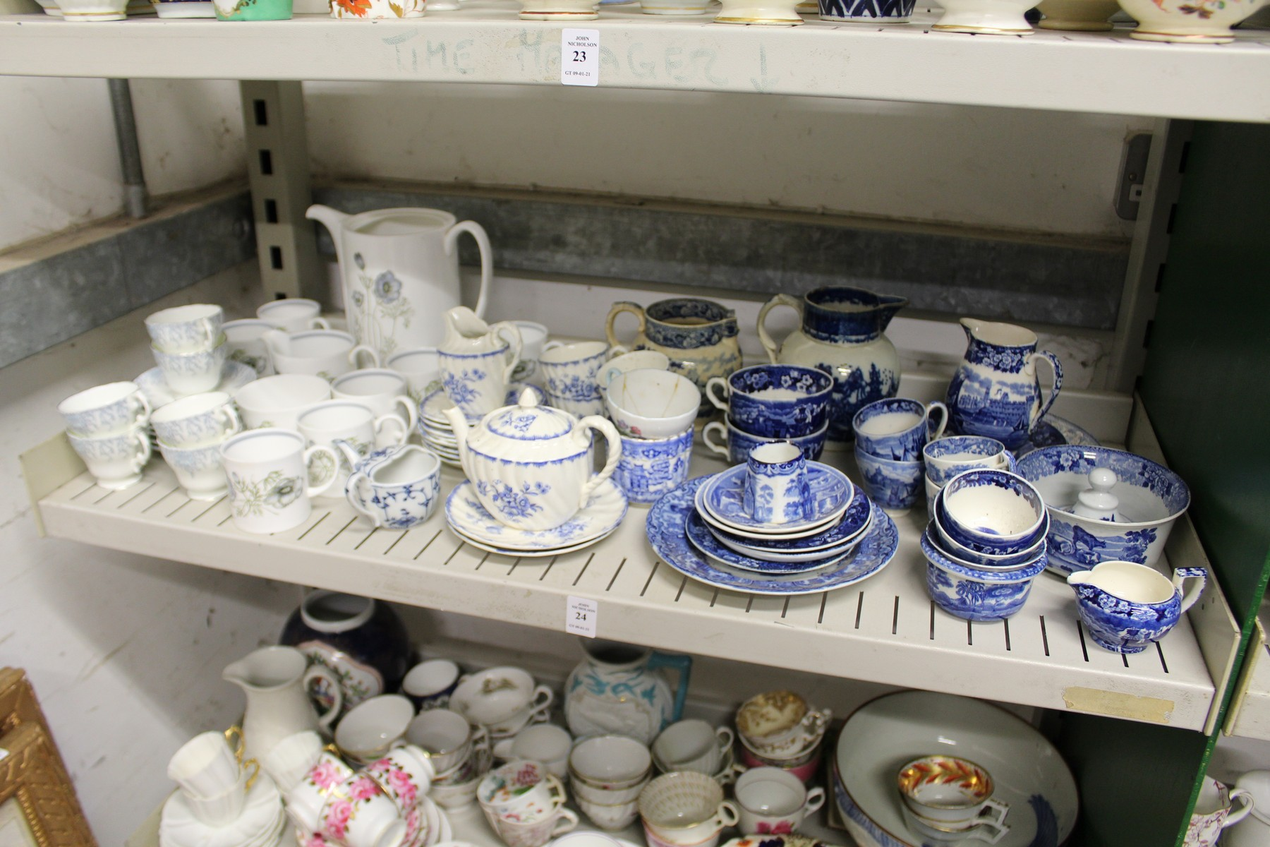 Blue and white china with various part services. - Image 2 of 2