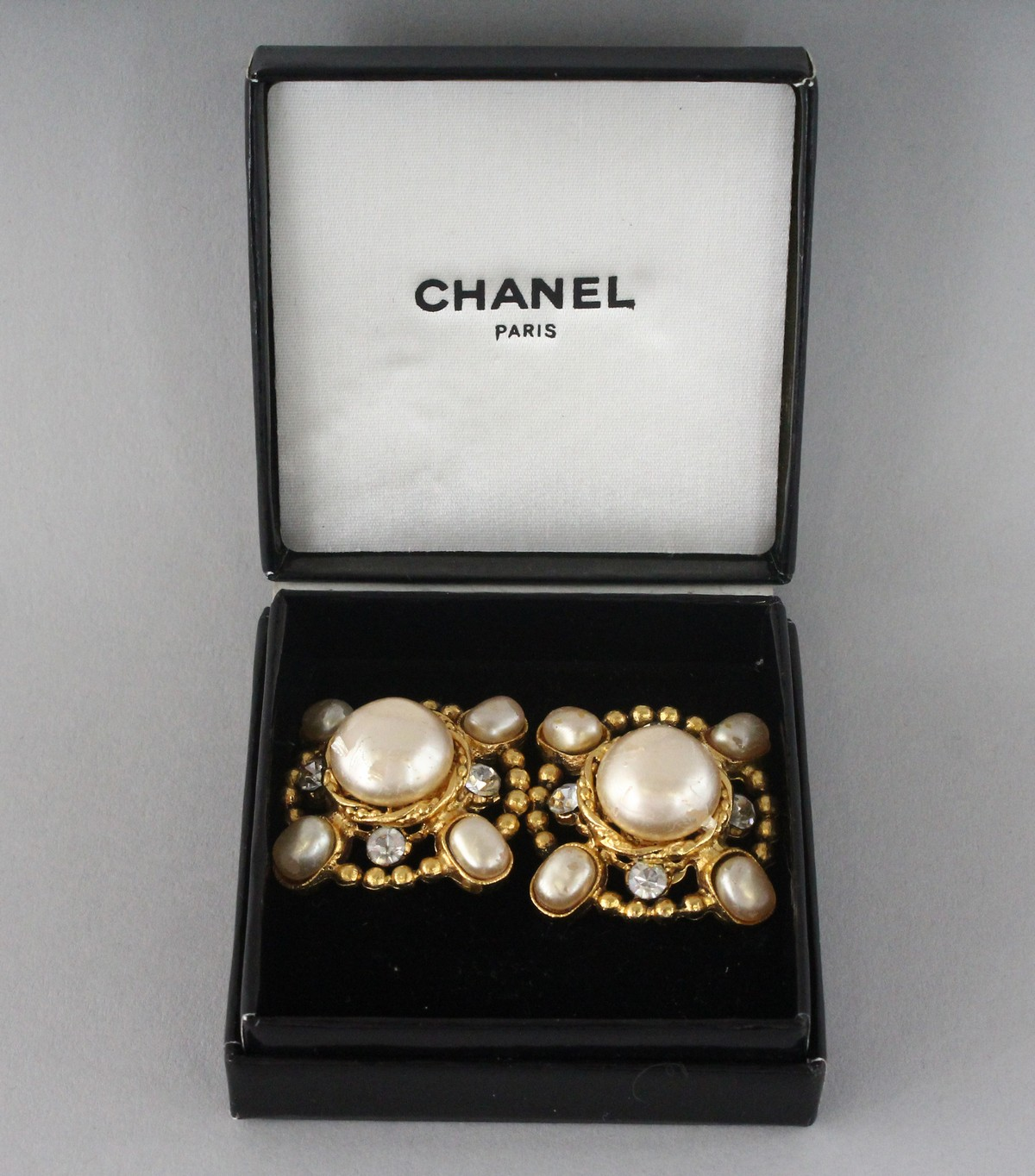 A GOOD PAIR OF CHANEL PEARL EAR CLIPS.