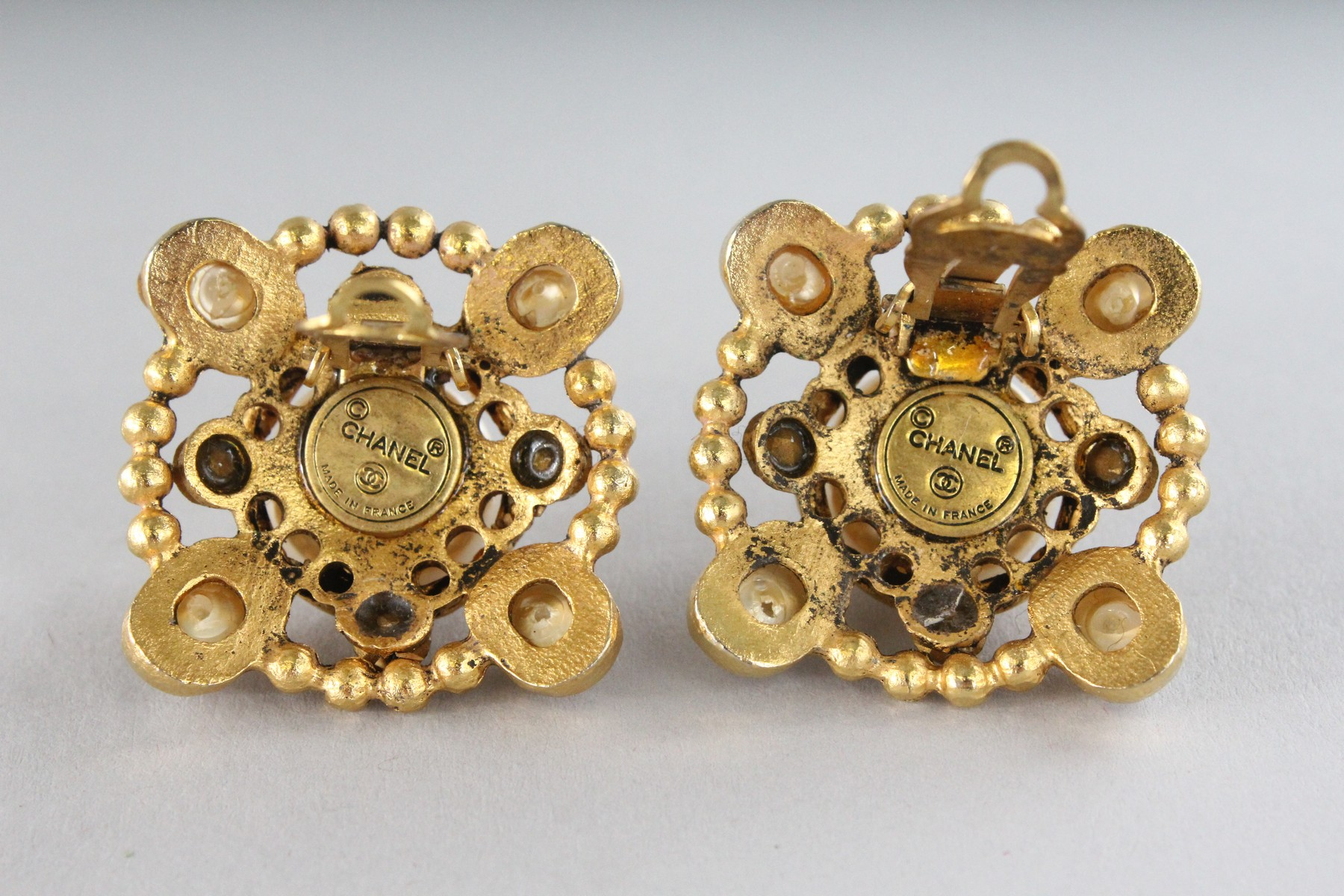 A GOOD PAIR OF CHANEL PEARL EAR CLIPS. - Image 4 of 4